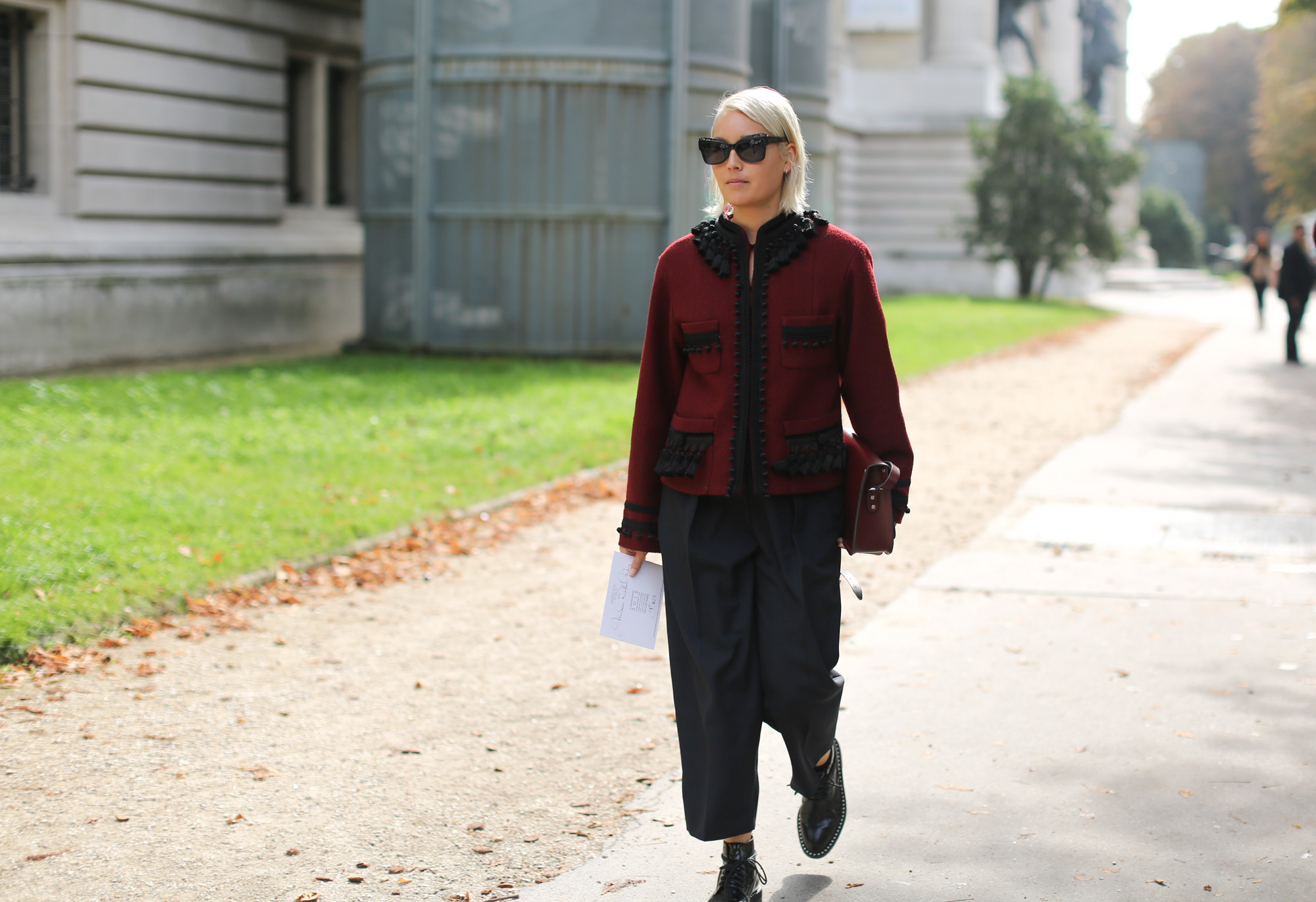 Clochet-streetstyle-chloe-paris-fashion-week