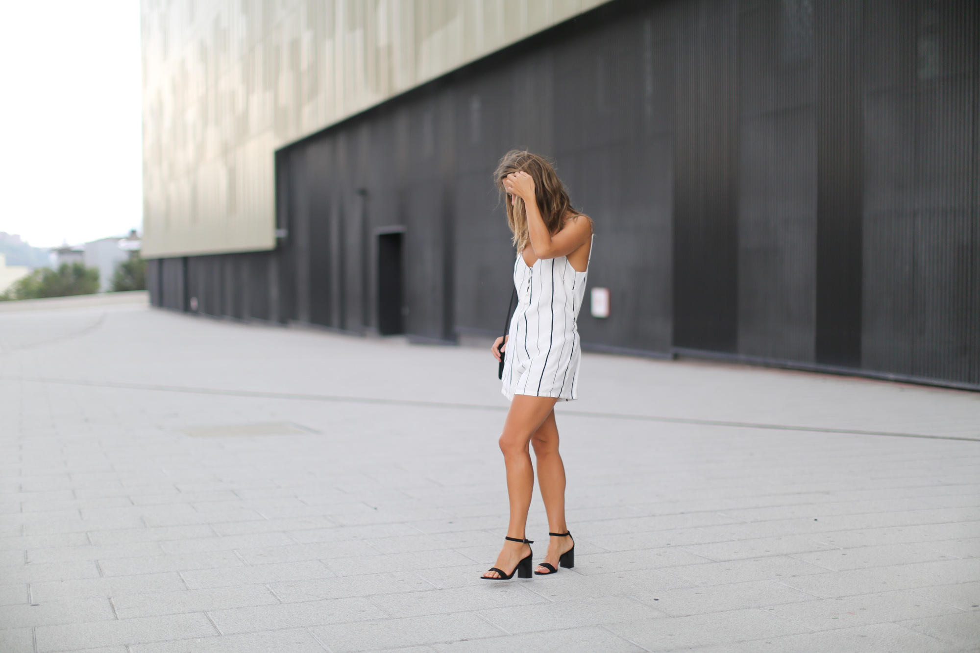 Clochet-streetstyle-faithfull-the-brand-jumpsuit-celine-trio-bag-6