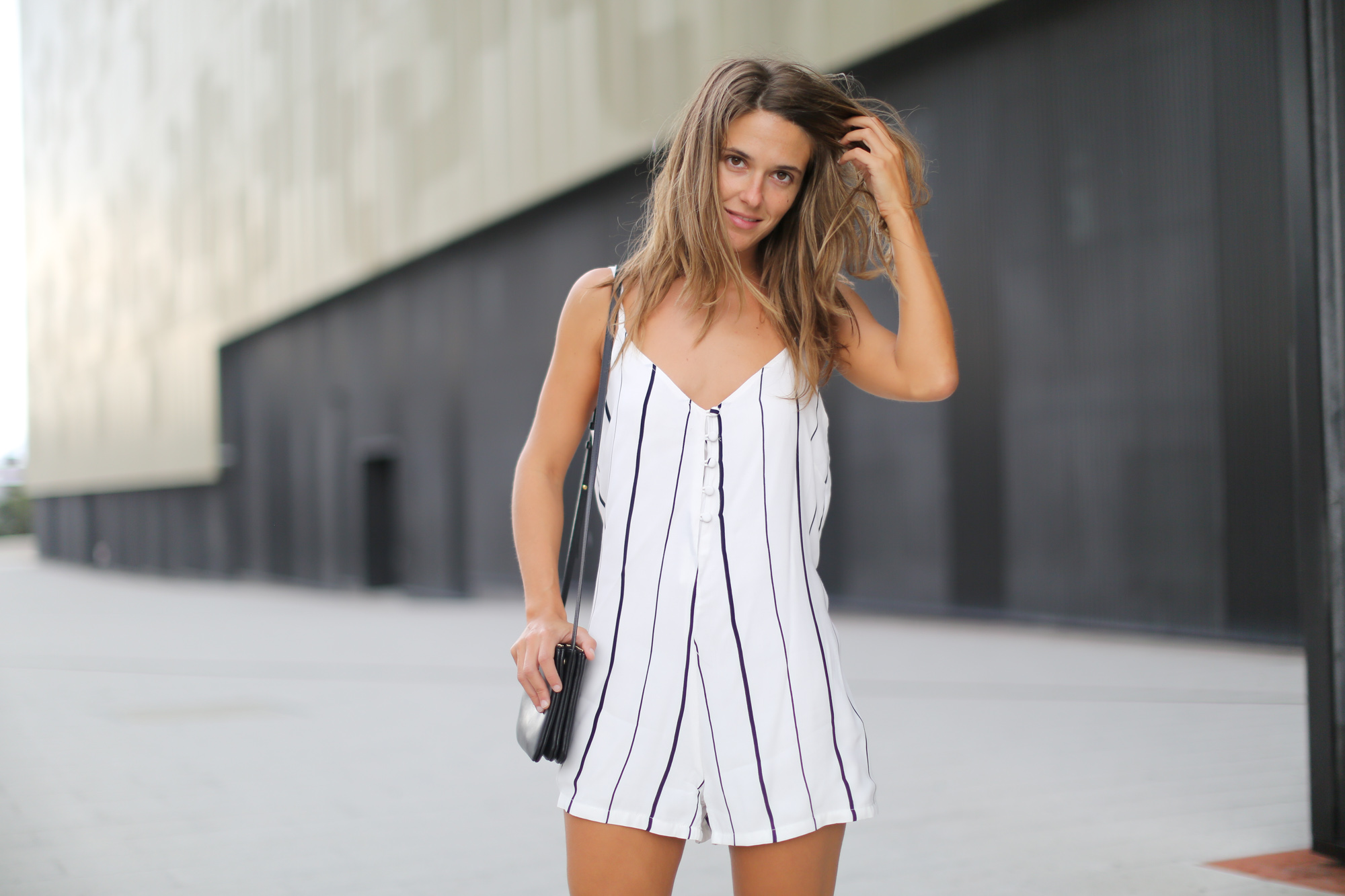 Clochet-streetstyle-faithfull-the-brand-jumpsuit-celine-trio-bag-7