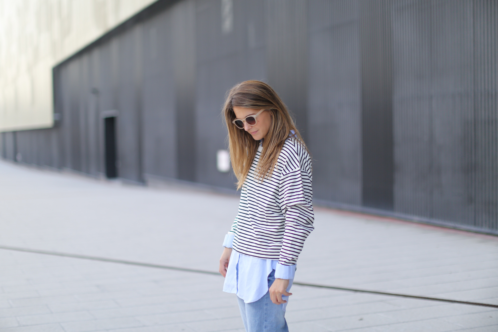 Clochet-streetstyle-suiteblanco-boyfriend-jeans-striped-sweater-adidas-stan-smith-11