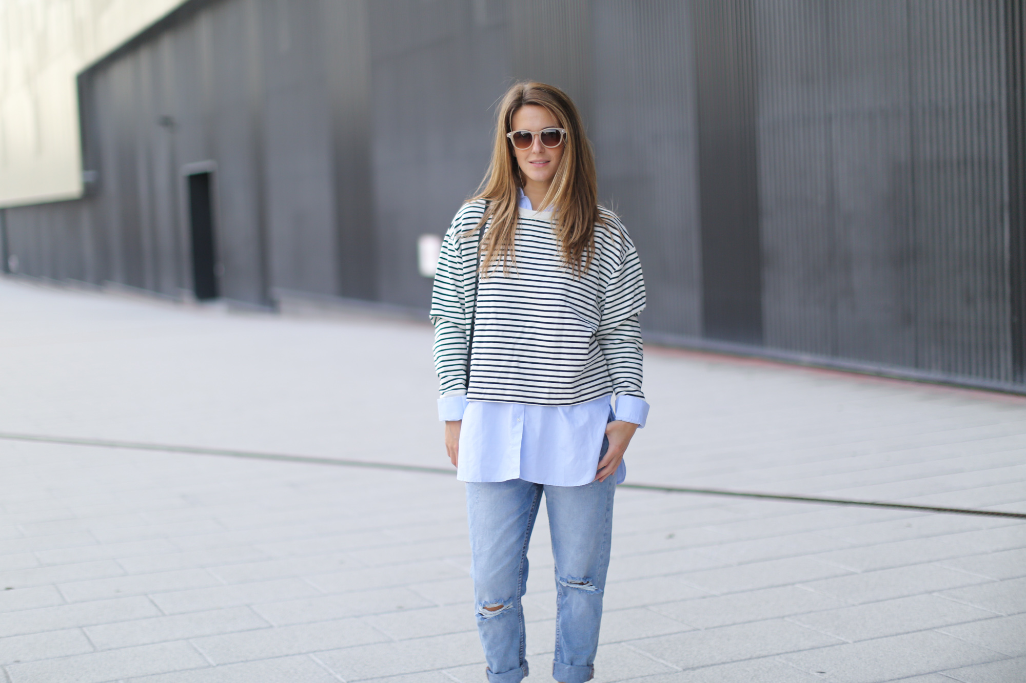 Clochet-streetstyle-suiteblanco-boyfriend-jeans-striped-sweater-adidas-stan-smith-13