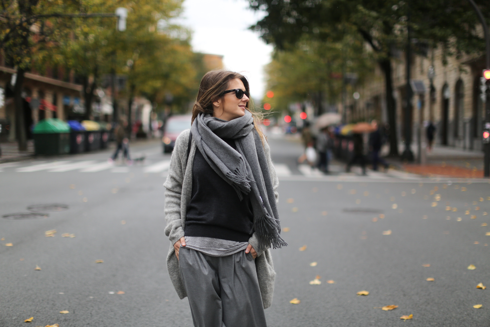 Clochet-streetstyle-all-grey-suiteblanco-culottes-h&m-trend-angora-cardigan-mango-pointy-loafers-13