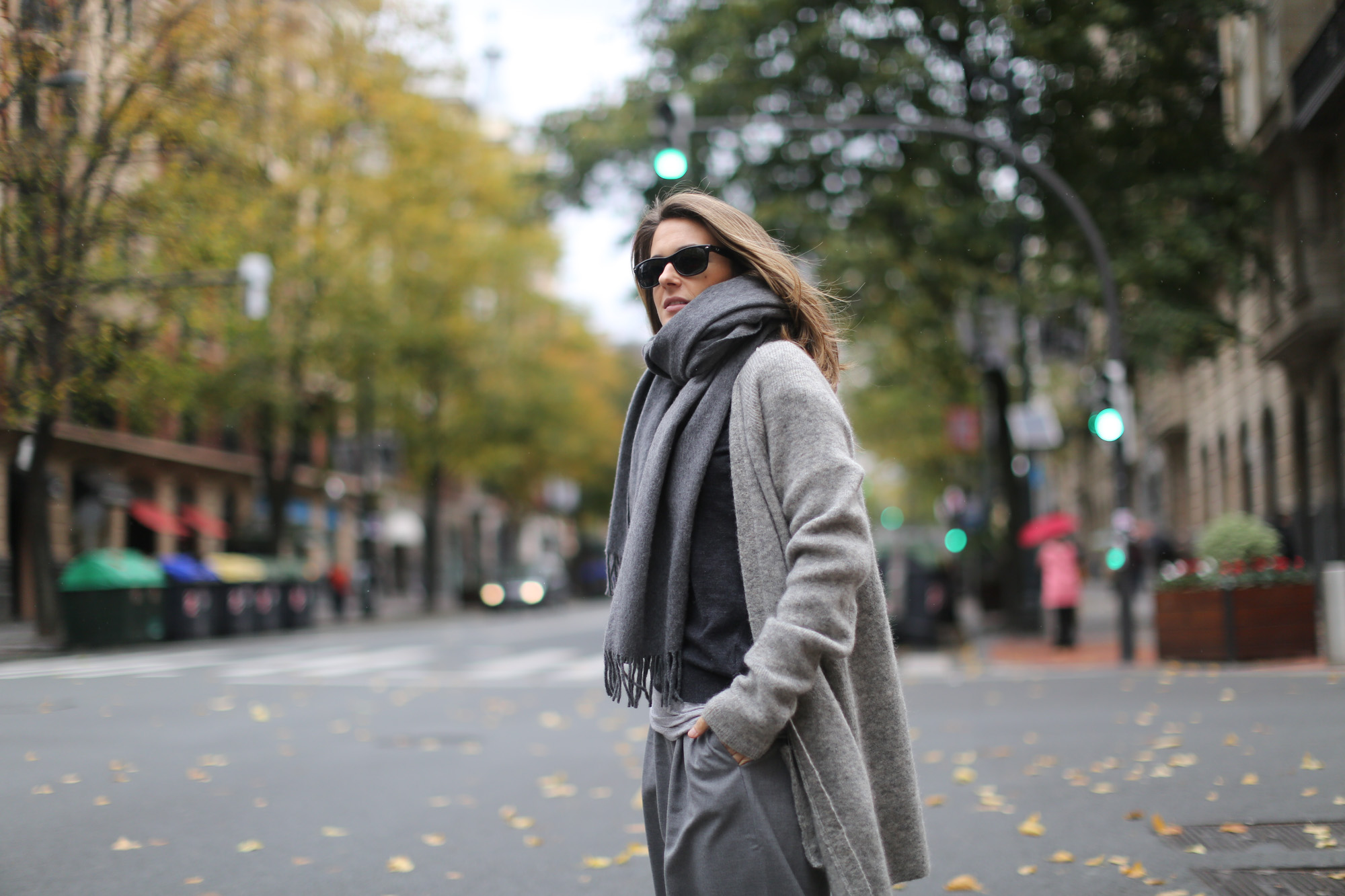 Clochet-streetstyle-all-grey-suiteblanco-culottes-h&m-trend-angora-cardigan-mango-pointy-loafers-2