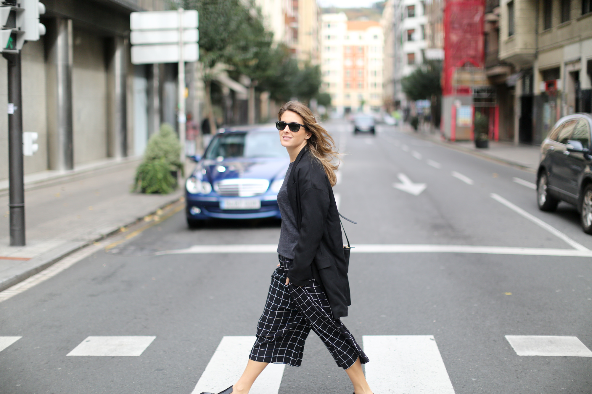 Clochet-streetstyle-monki-squared-black-white-culottes-lykke-li-and-other-stories-loafers-2