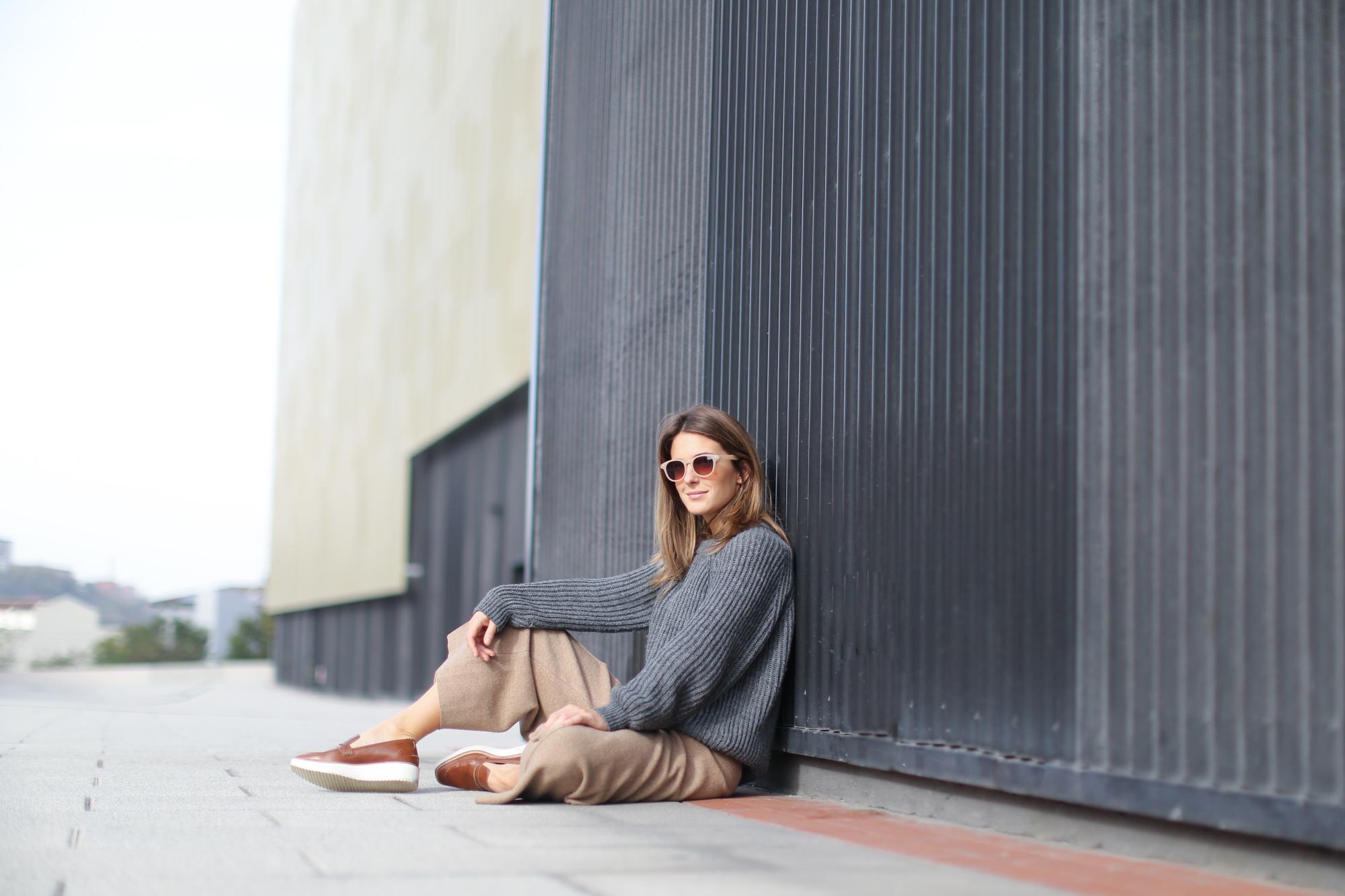 Clochet-streetstyle-zara-beige-wool-culottes-grey-chunky-knit-10