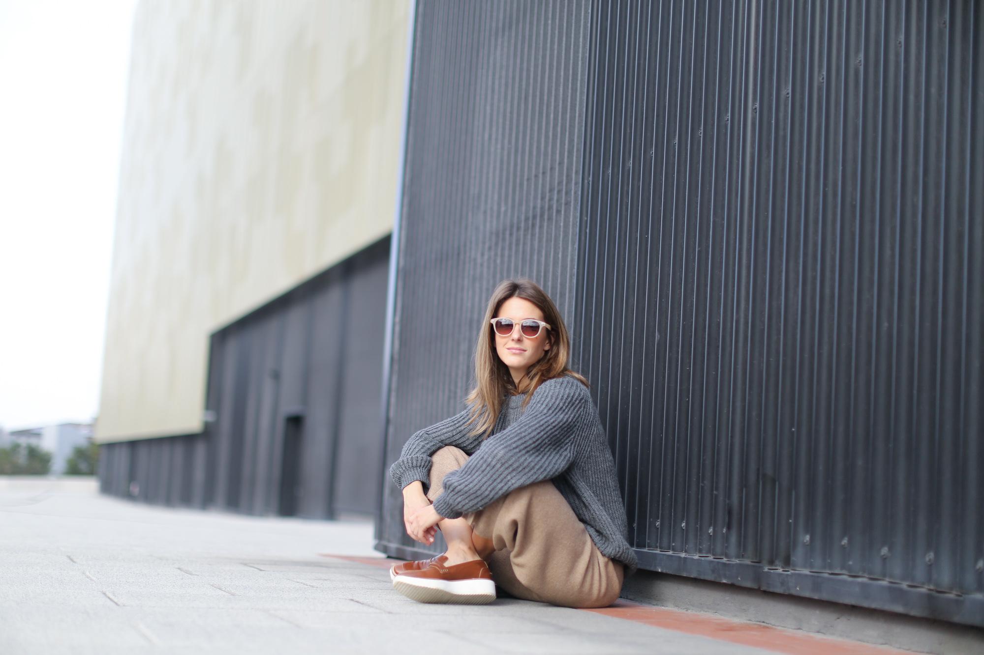 Clochet-streetstyle-zara-beige-wool-culottes-grey-chunky-knit-11