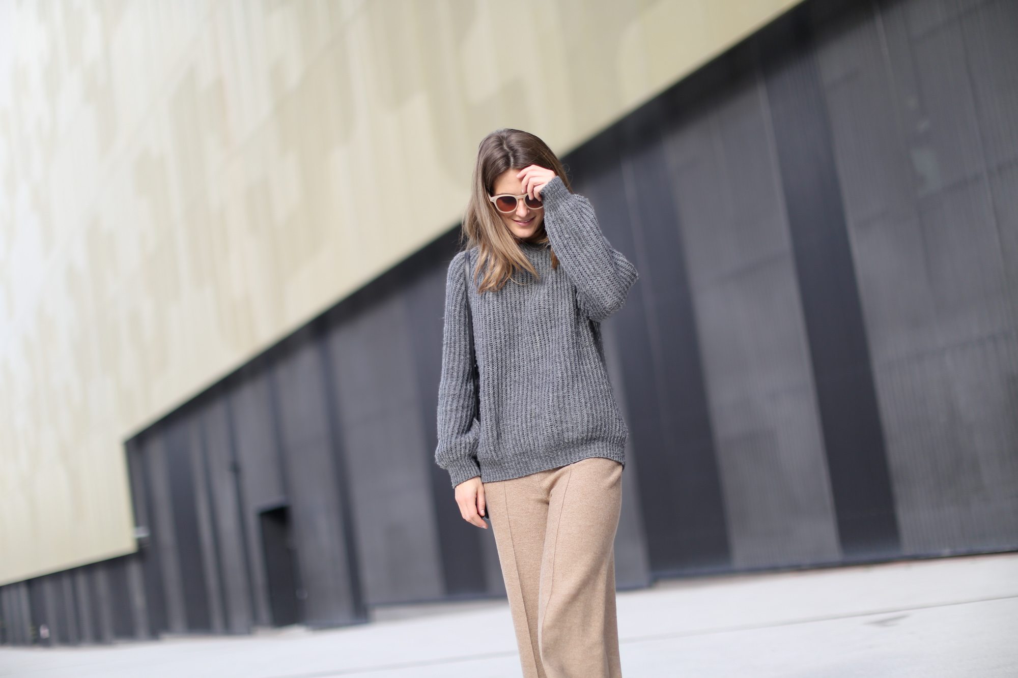 Clochet-streetstyle-zara-beige-wool-culottes-grey-chunky-knit-6
