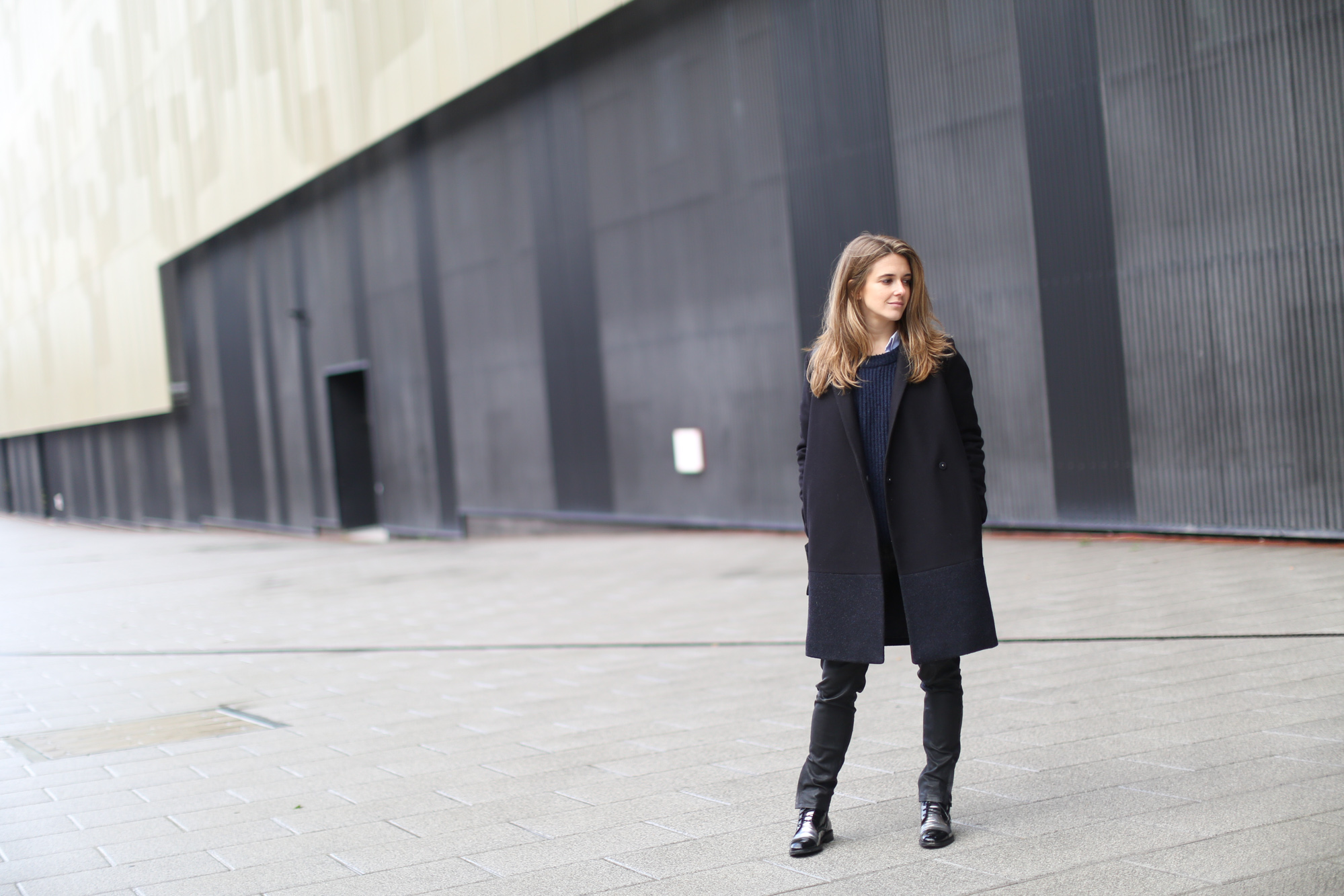 Clochet-streetstyle-COS-coat-mango-leather-trousers-pertini-boots
