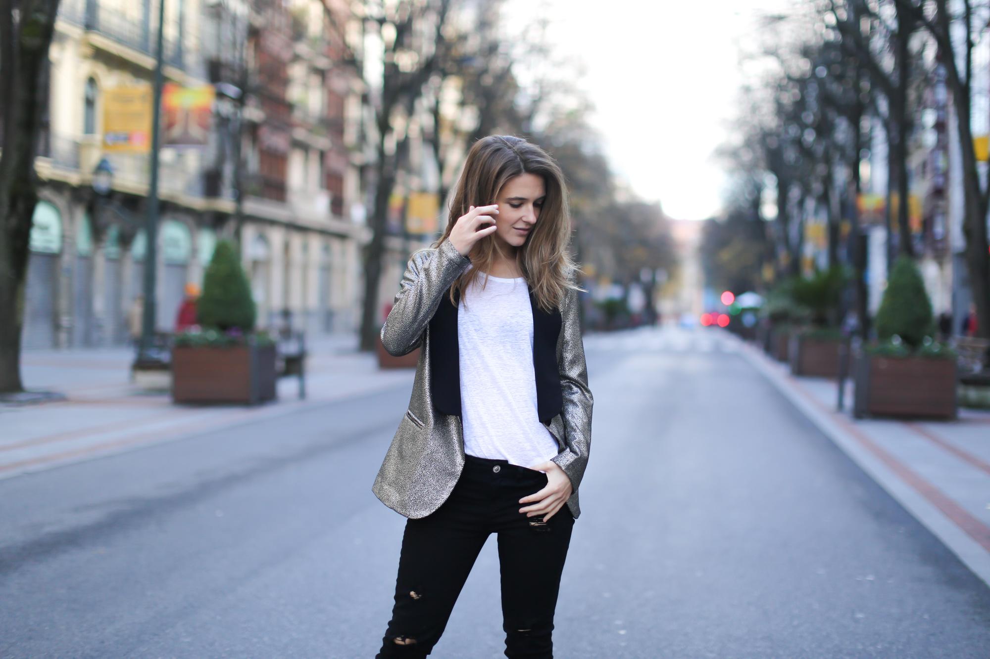 Clochet-streetstyle-blazer-plateada-suiteblanco-zara-kitten-heels-2