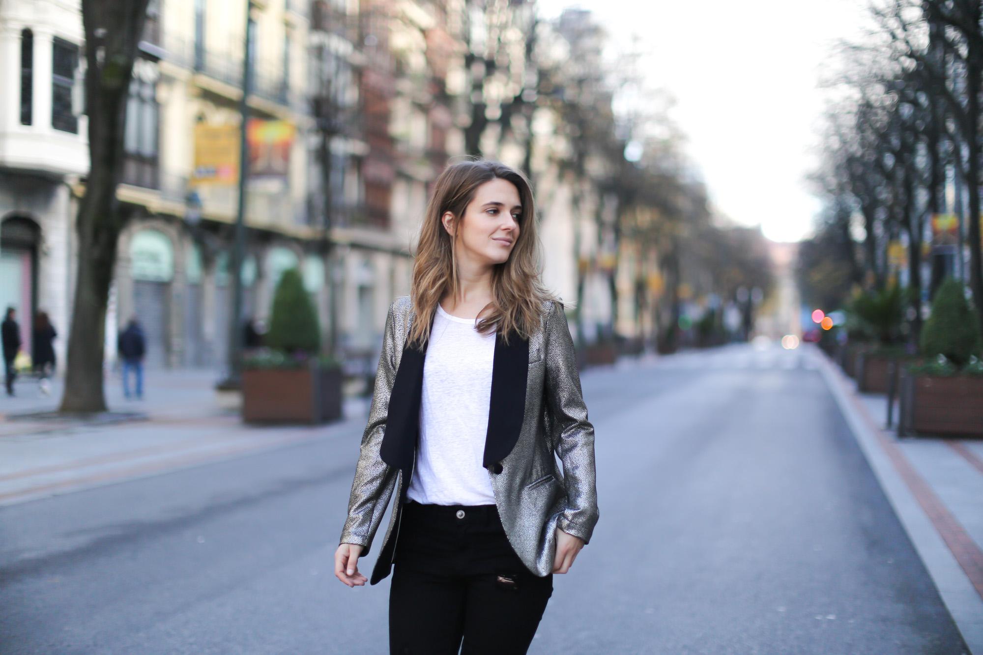 Clochet-streetstyle-blazer-plateada-suiteblanco-zara-kitten-heels-4