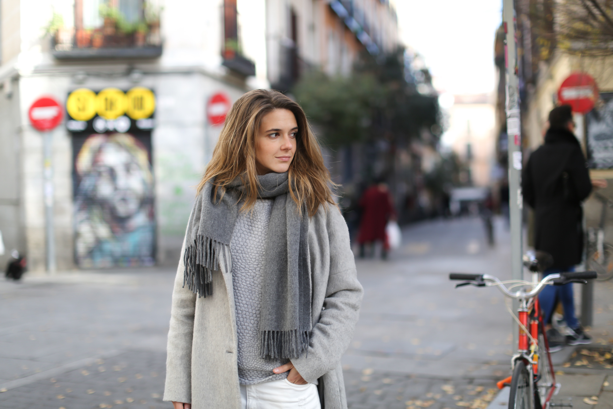 Clochet-streetstyle-mango-grey-wool-coat-adidas-stan-smith-2