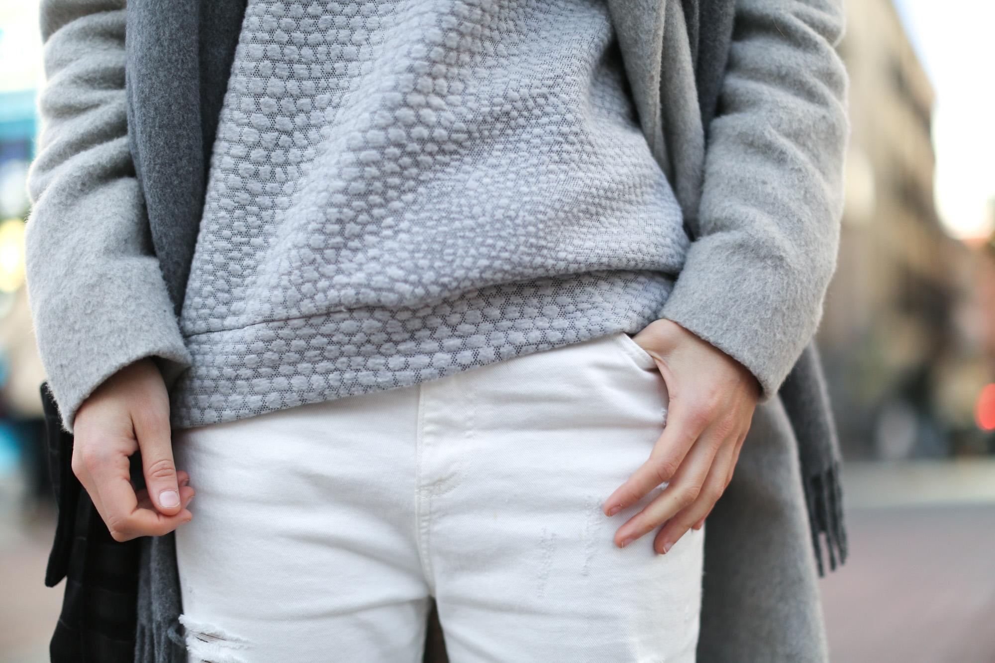 Clochet-streetstyle-mango-grey-wool-coat-adidas-stan-smith-6
