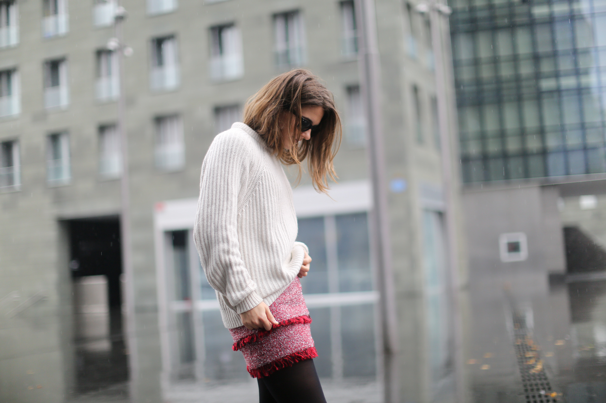 Clochet-streetstyle-mango-tweed-mini-skirt-chunky-knit-lykke-ly-loafers-7