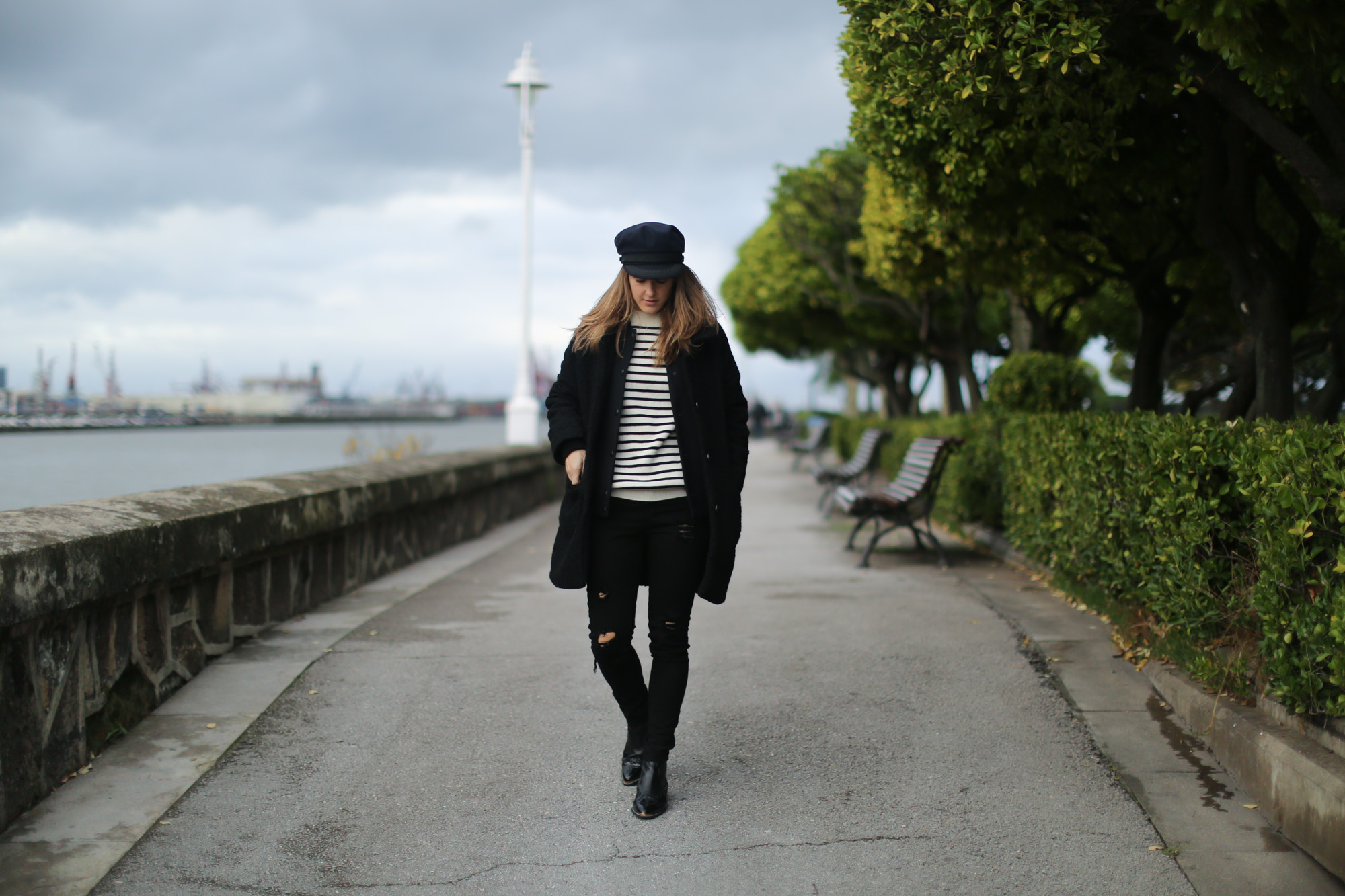 Clochet-streetstyle-saint-james-mariniere-cap-cowboy-boots-suiteblanco-coat-10
