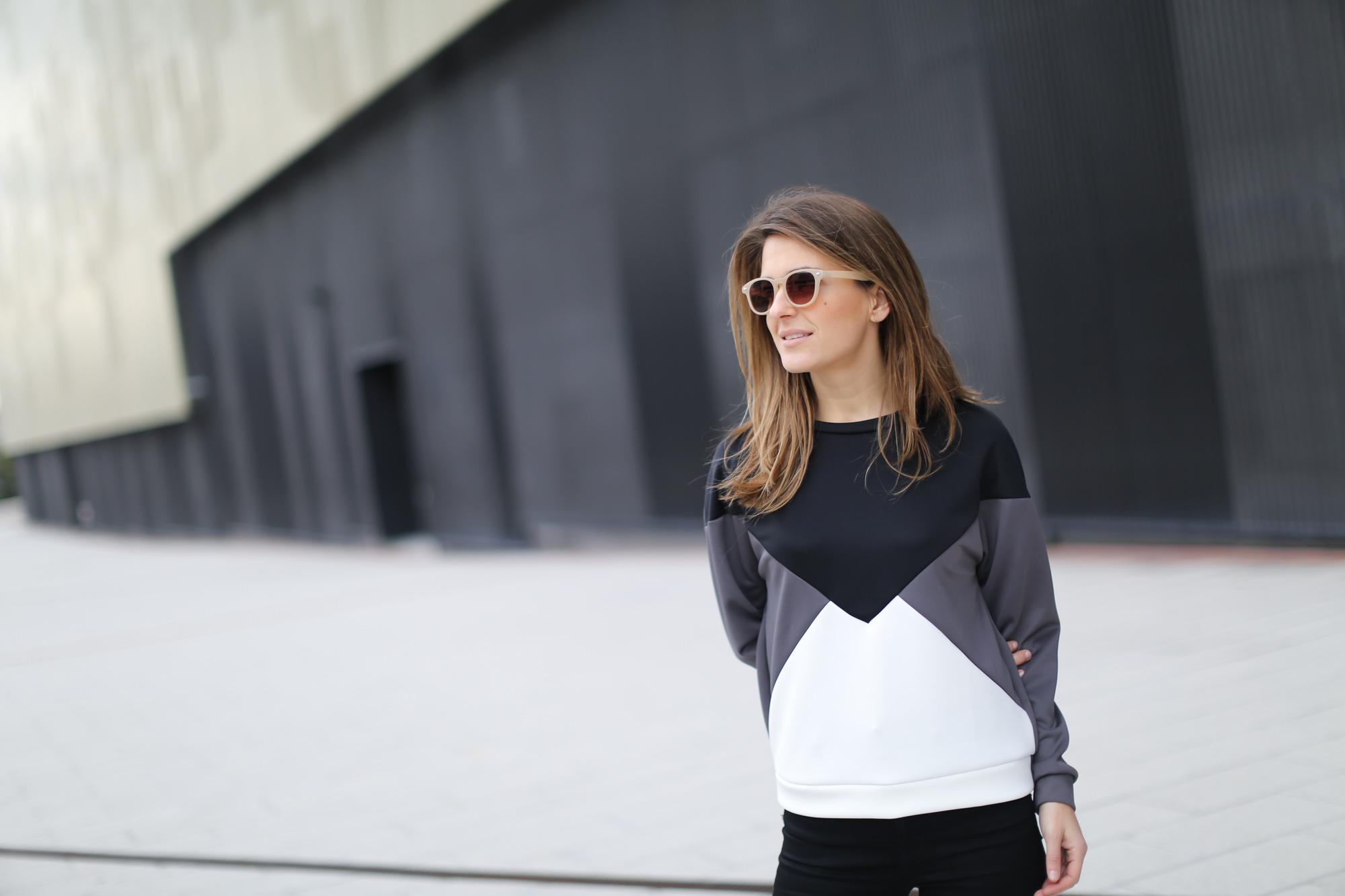 Clochet-streetstyle-suiteblanco-neoprene-sweatshirt-lykke-li-loafers-3
