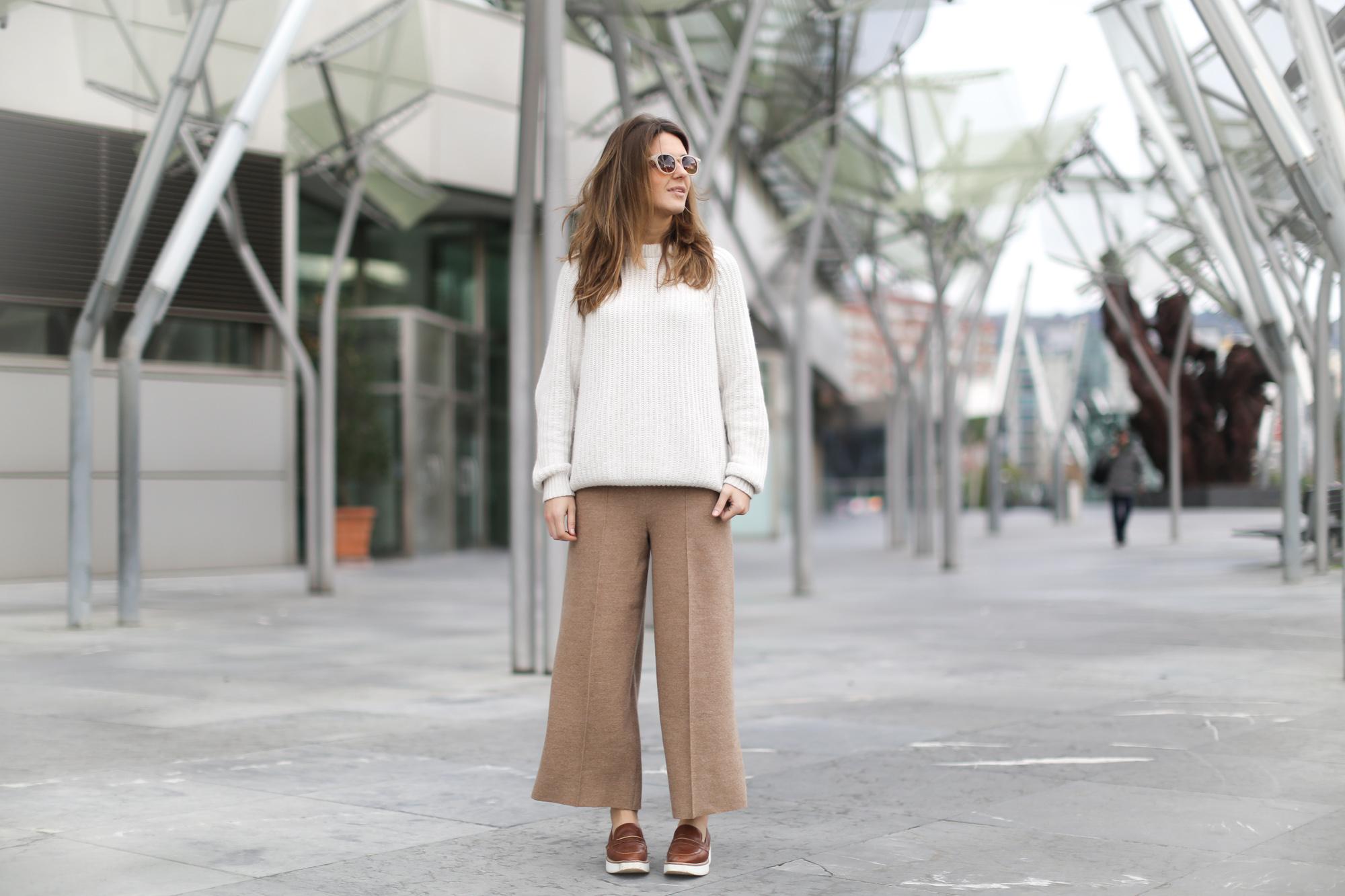 Clochet-streetstyle-szara-camel-wool-culottes-platforms-beige-knit-2