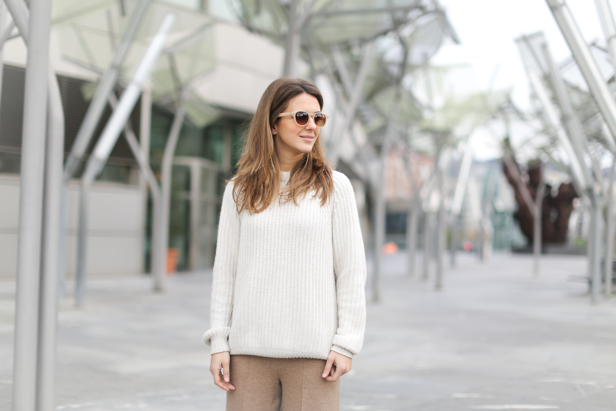 Clochet-streetstyle-szara-camel-wool-culottes-platforms-beige-knit-9