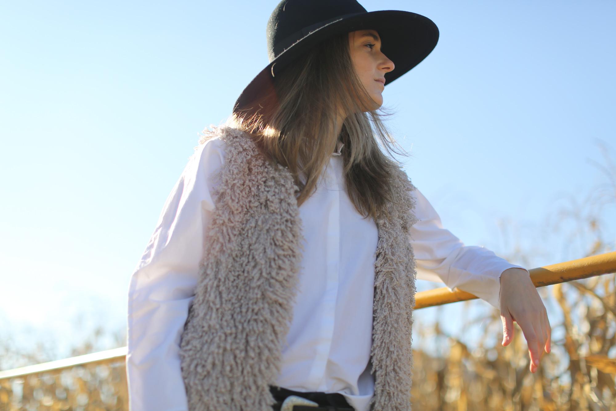 Clochet_streetstyle_cowboy_boots_fedora_hat_waistcoat-1-8