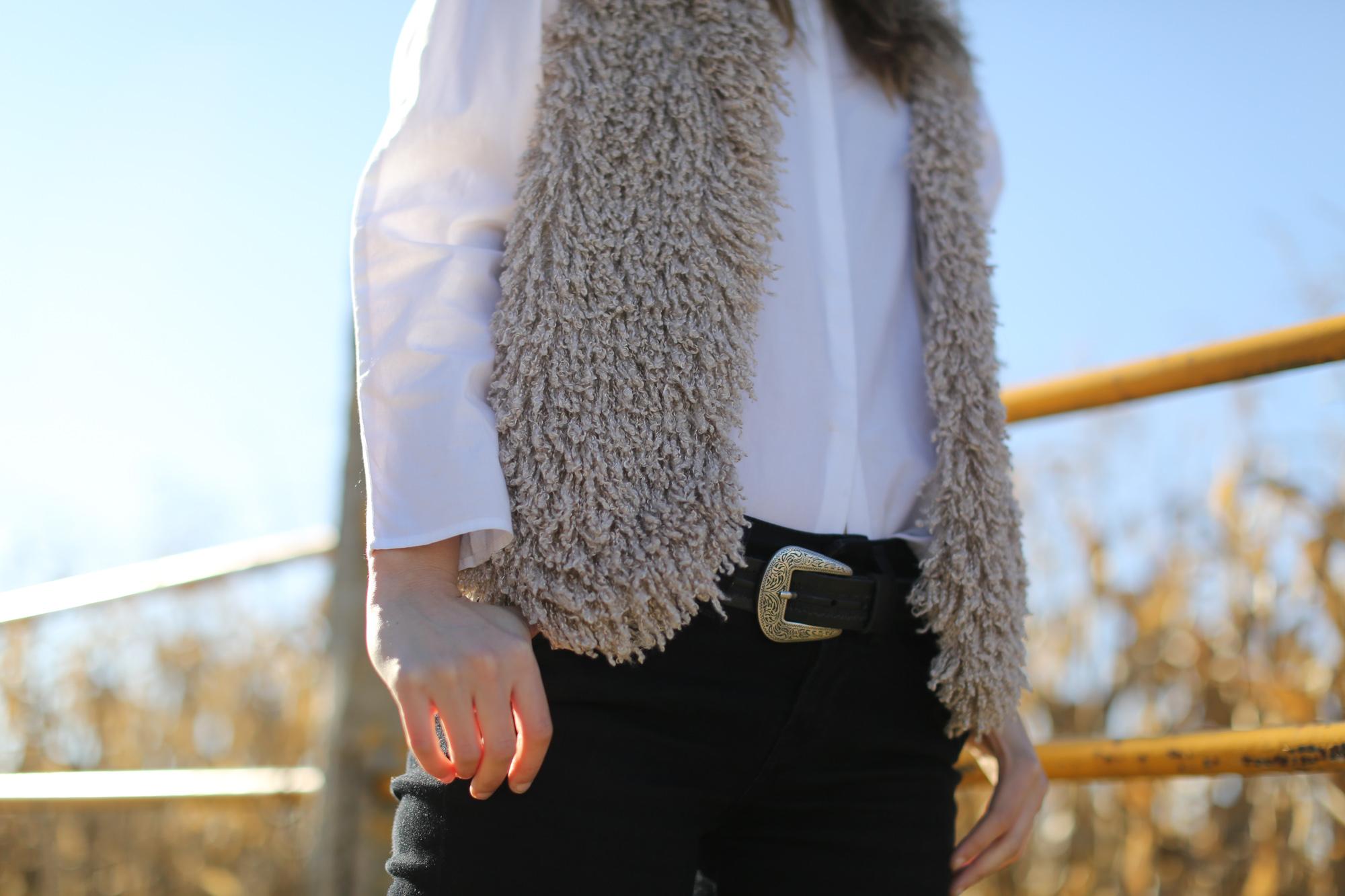 Clochet_streetstyle_cowboy_boots_fedora_hat_waistcoat-1-9