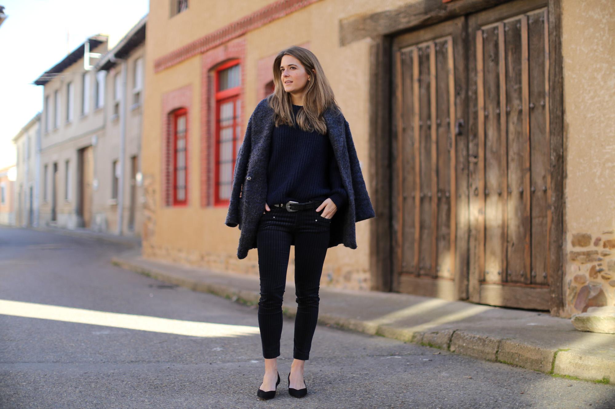Clochet_streetstyle_zara_pantalon_velveton_kitten_heels_mango_coat-1-4