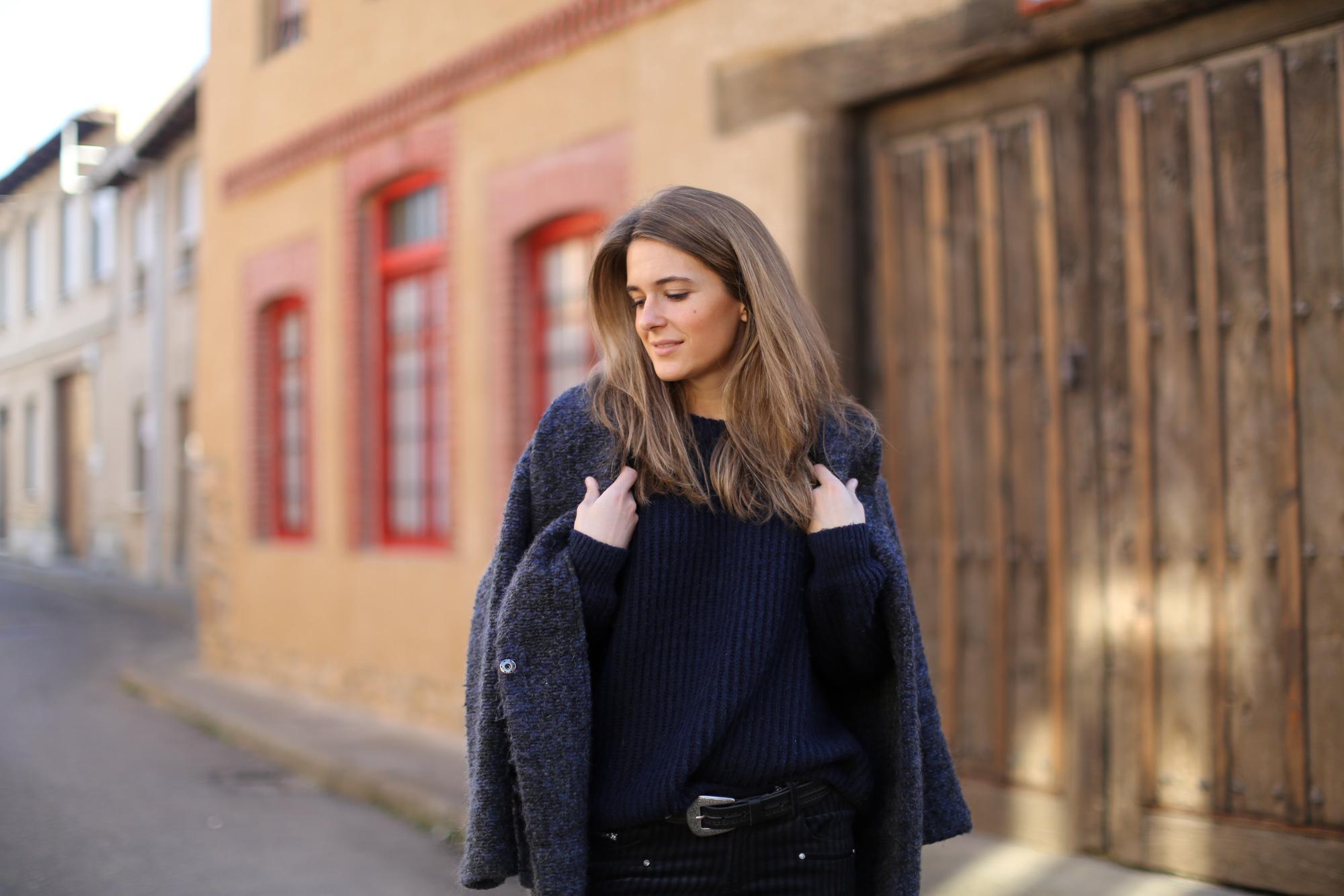 Clochet_streetstyle_zara_pantalon_velveton_kitten_heels_mango_coat-1-5