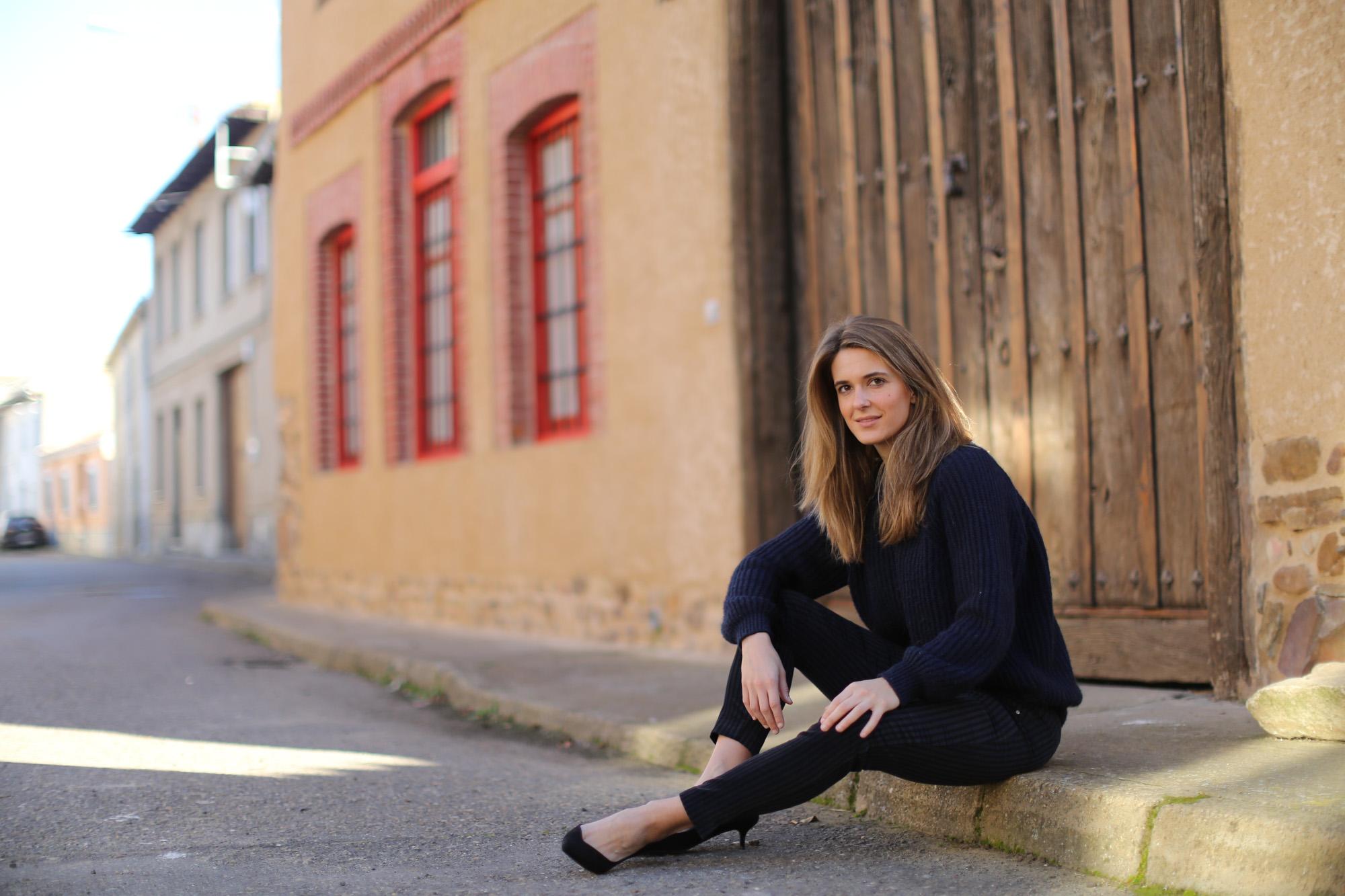 Clochet_streetstyle_zara_pantalon_velveton_kitten_heels_mango_coat-1-8