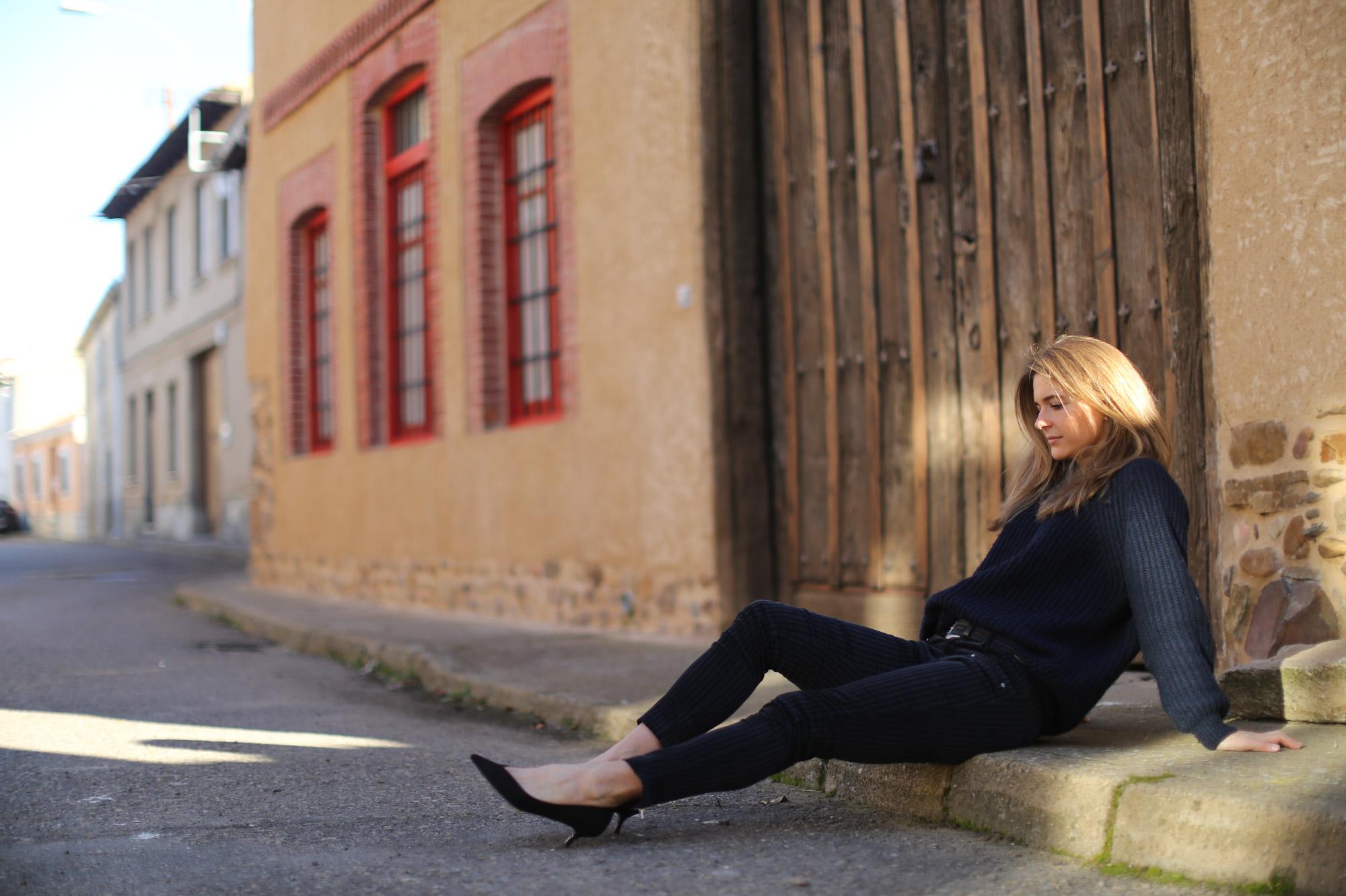 Clochet_streetstyle_zara_pantalon_velveton_kitten_heels_mango_coat-1-9