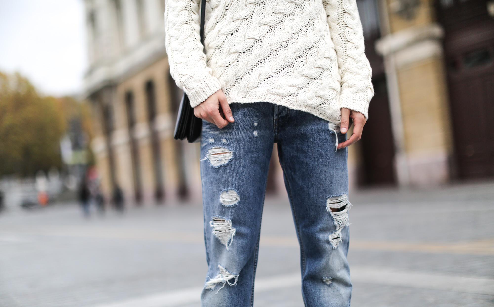 Clochet-streetstyle-isabel-marant-etoile-ellison-parka-acne-studios-jeans-adidas-stan-smith-11