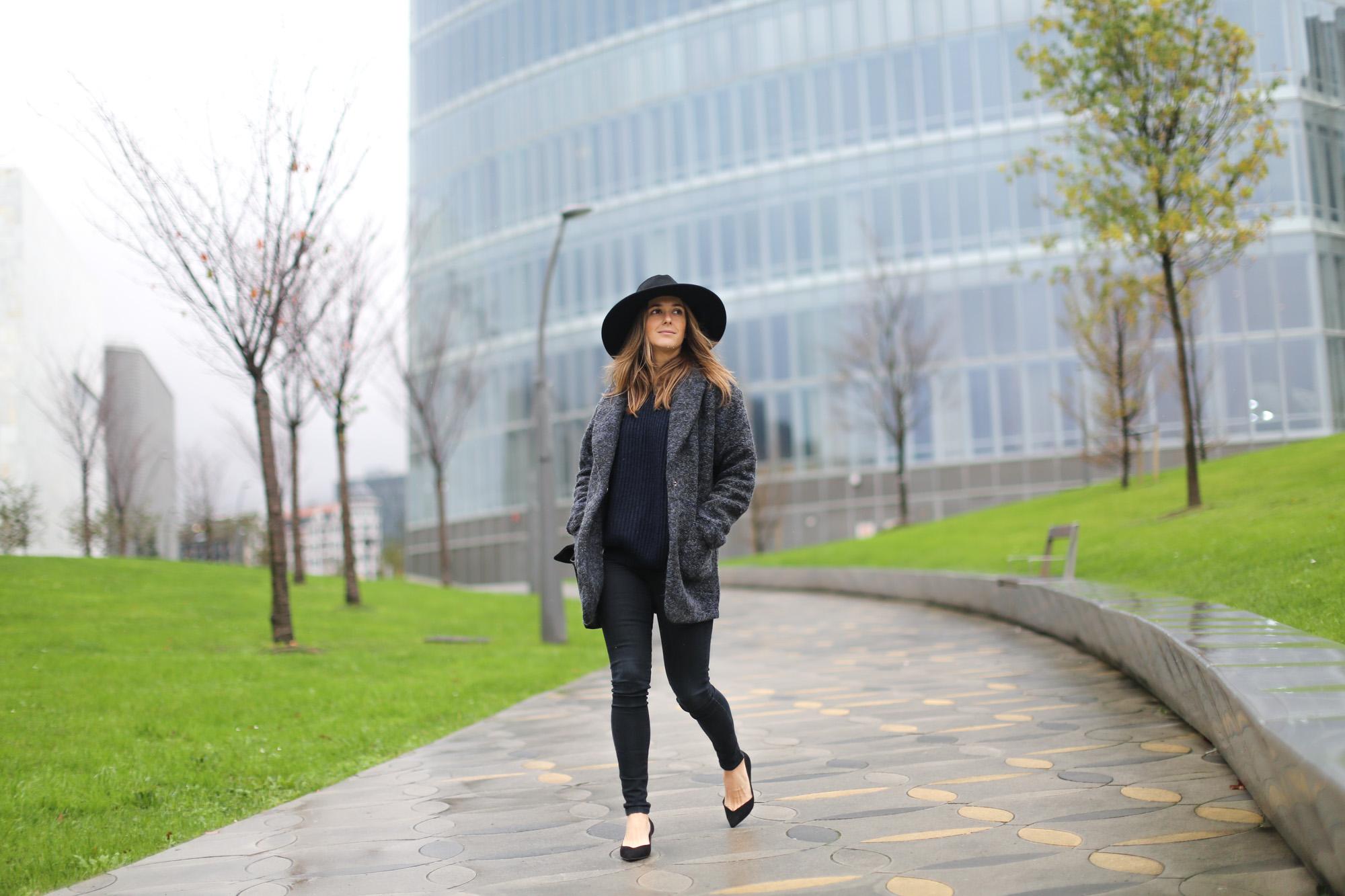 Clochet-streetstyle-mango-jacket-fedora-hat-kitten-heels