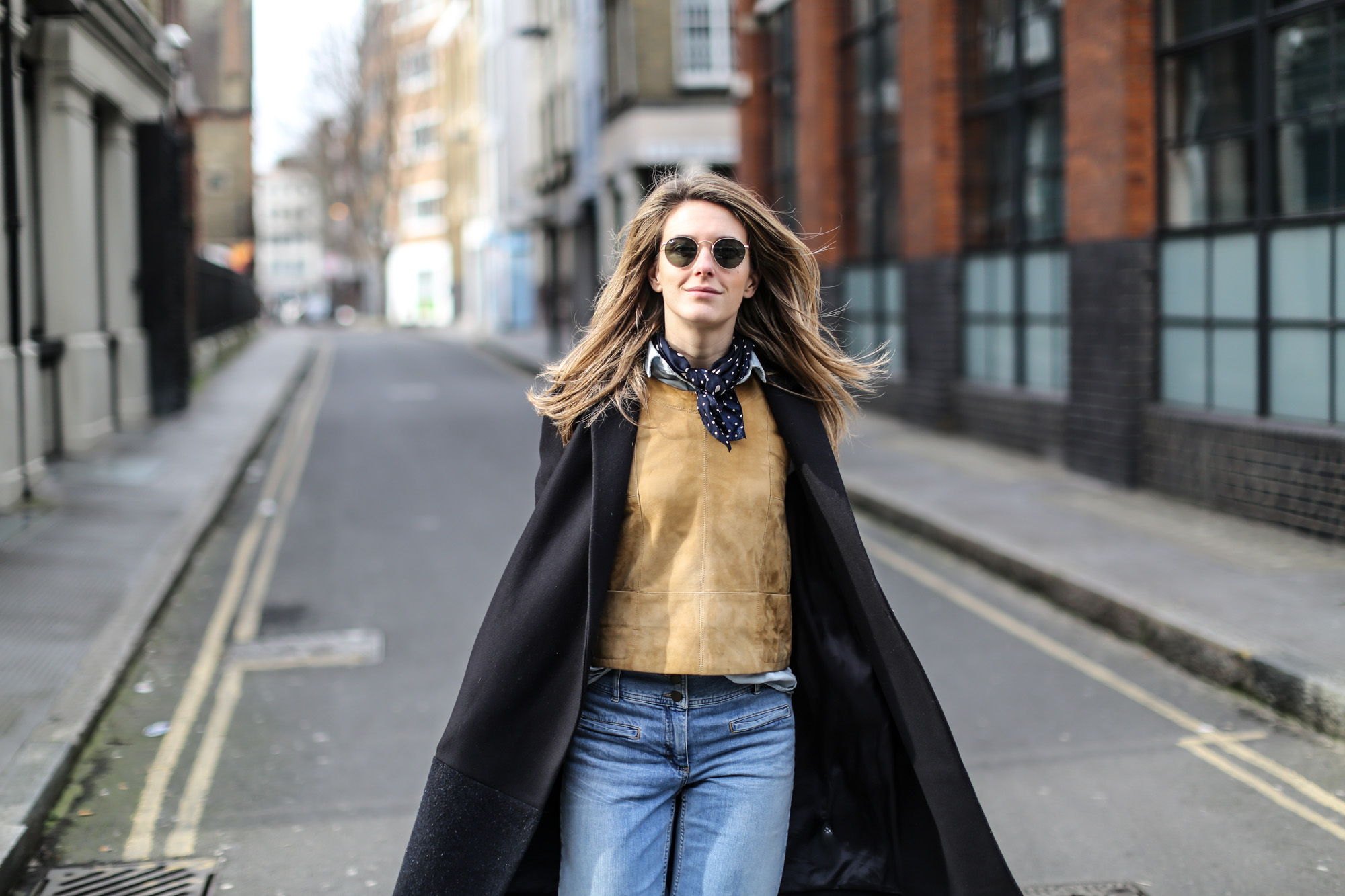 Clochet-wide-retro-jeans-suede-top-cos-coat-10
