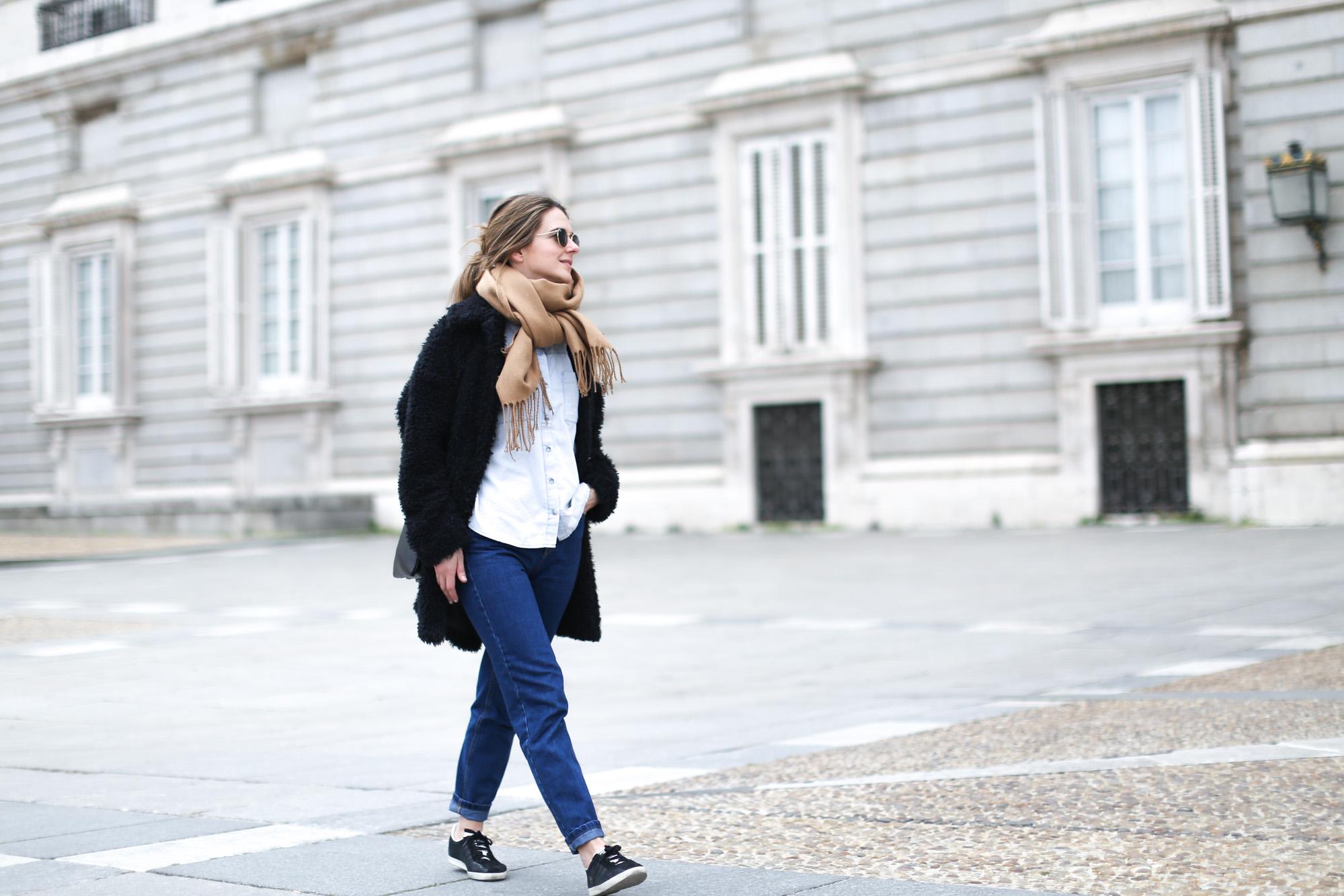 Clochet-mango-flurry-coat-mum-jeans-adidas-gazelle-4