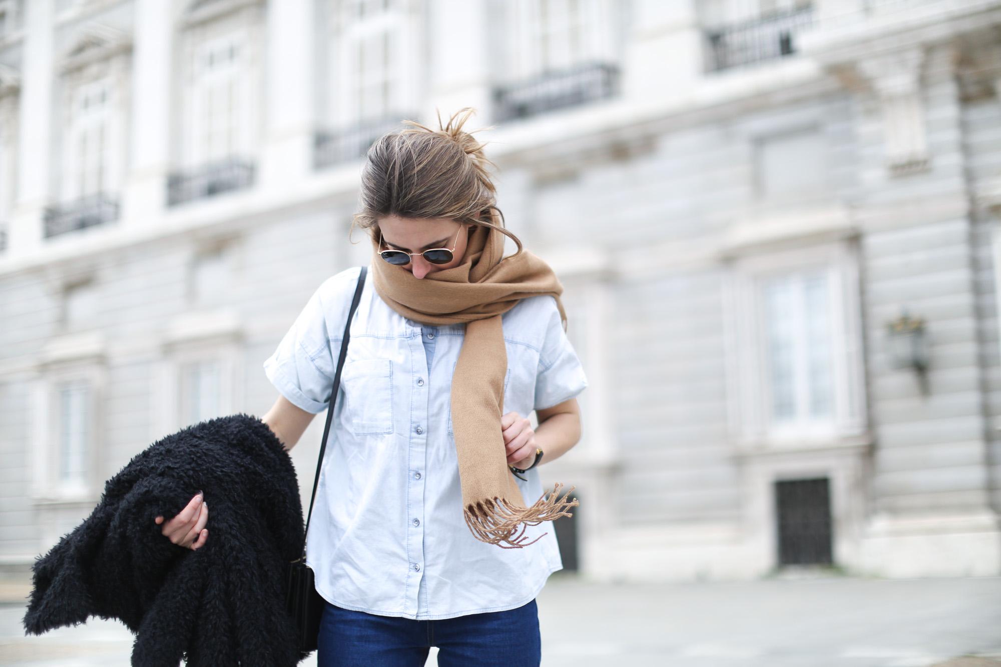 Clochet-mango-flurry-coat-mum-jeans-adidas-gazelle-7