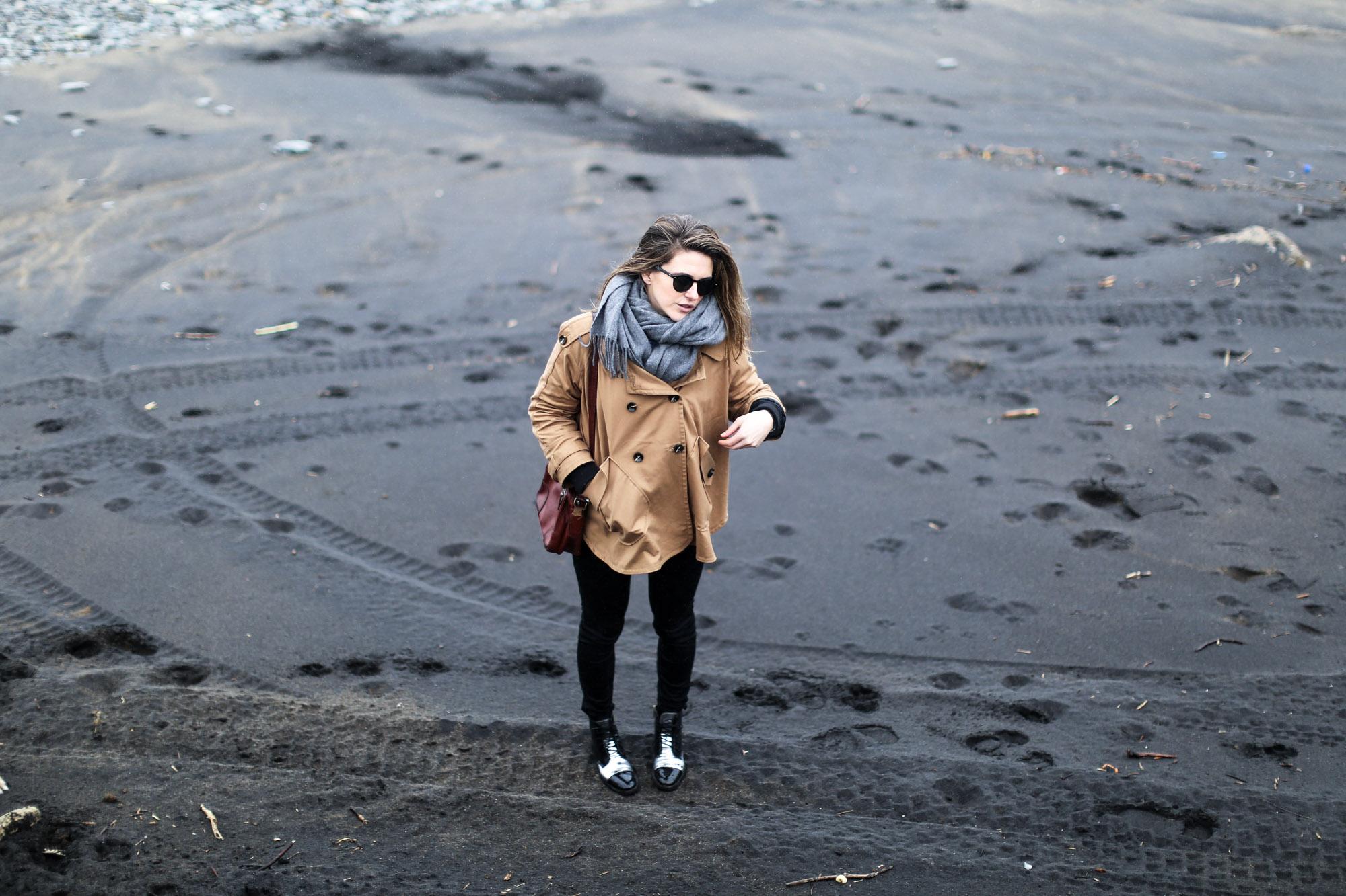 Clochet-streetstyle-azkorri-playa-pertini-boots-h&m-trend-trench-cape-6