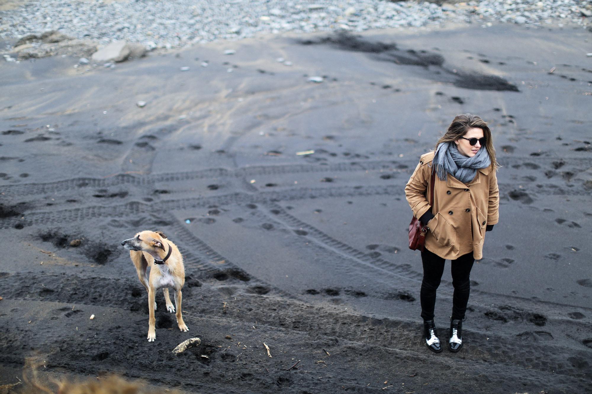 Clochet-streetstyle-azkorri-playa-pertini-boots-h&m-trend-trench-cape-7