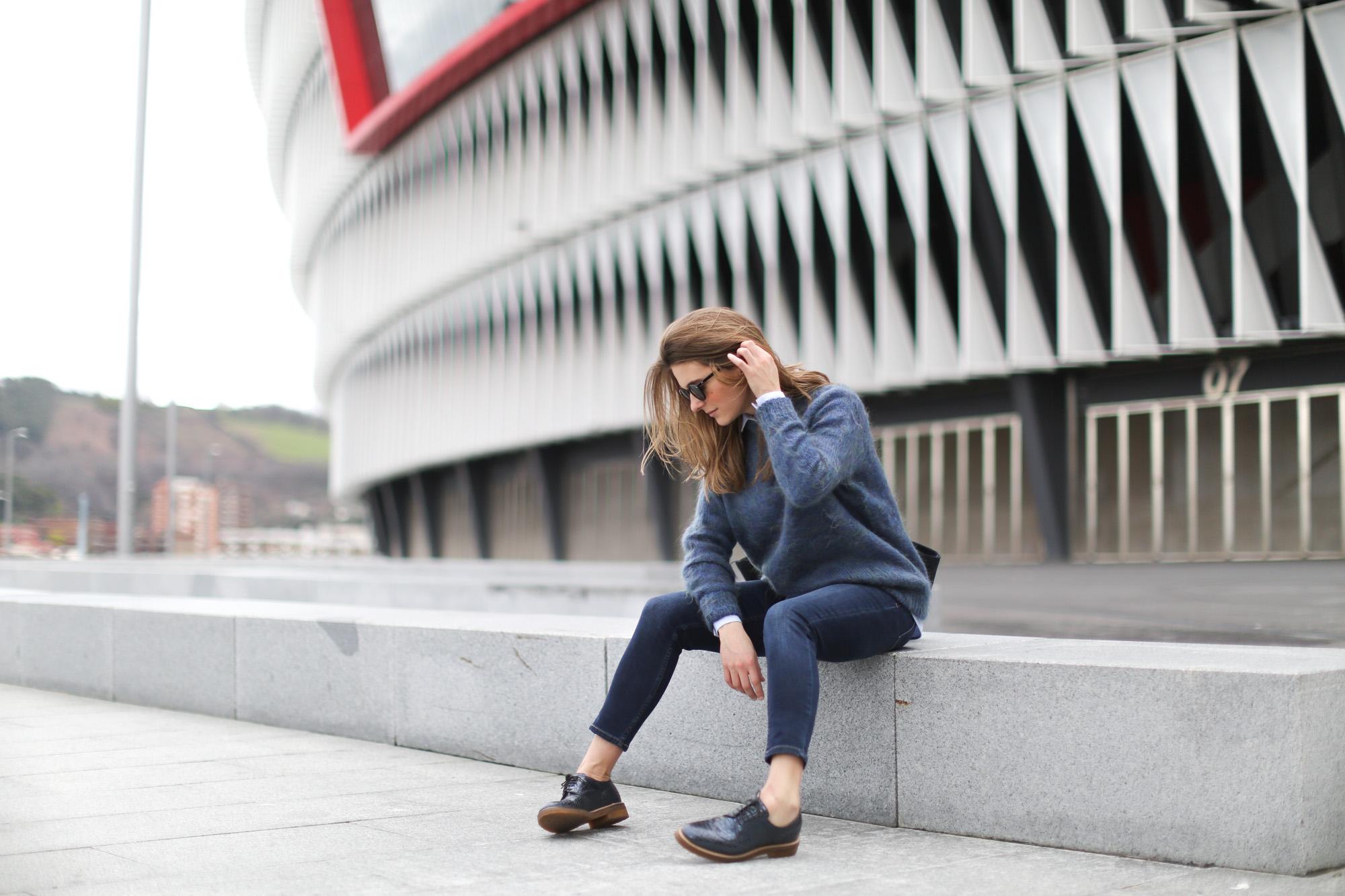 Clochet-streetstyle-bimbaylola-blue-knit-topshop-baxter-jeans-sushibag-13