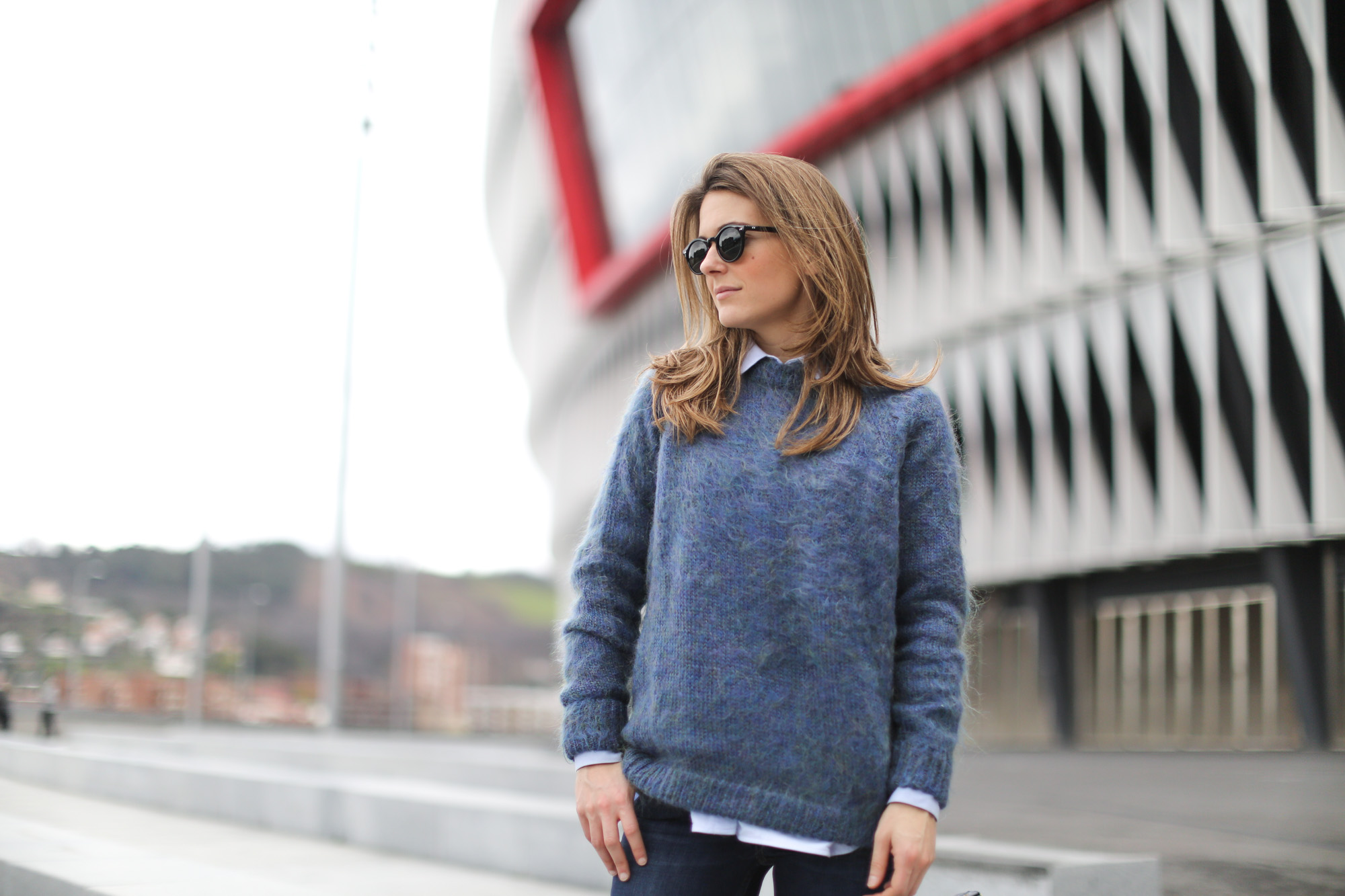 Clochet-streetstyle-bimbaylola-blue-knit-topshop-baxter-jeans-sushibag-14