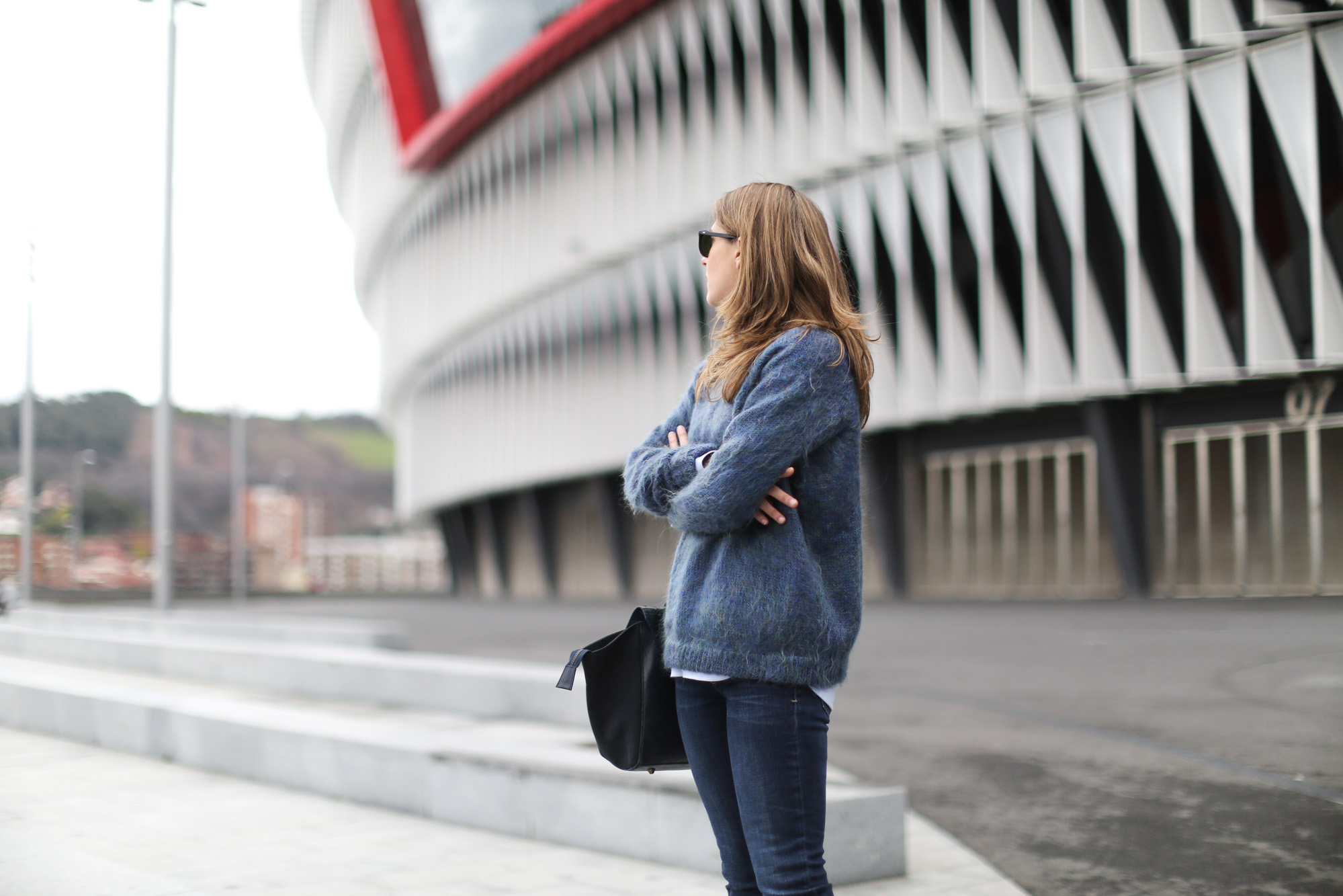 Clochet-streetstyle-bimbaylola-blue-knit-topshop-baxter-jeans-sushibag-7