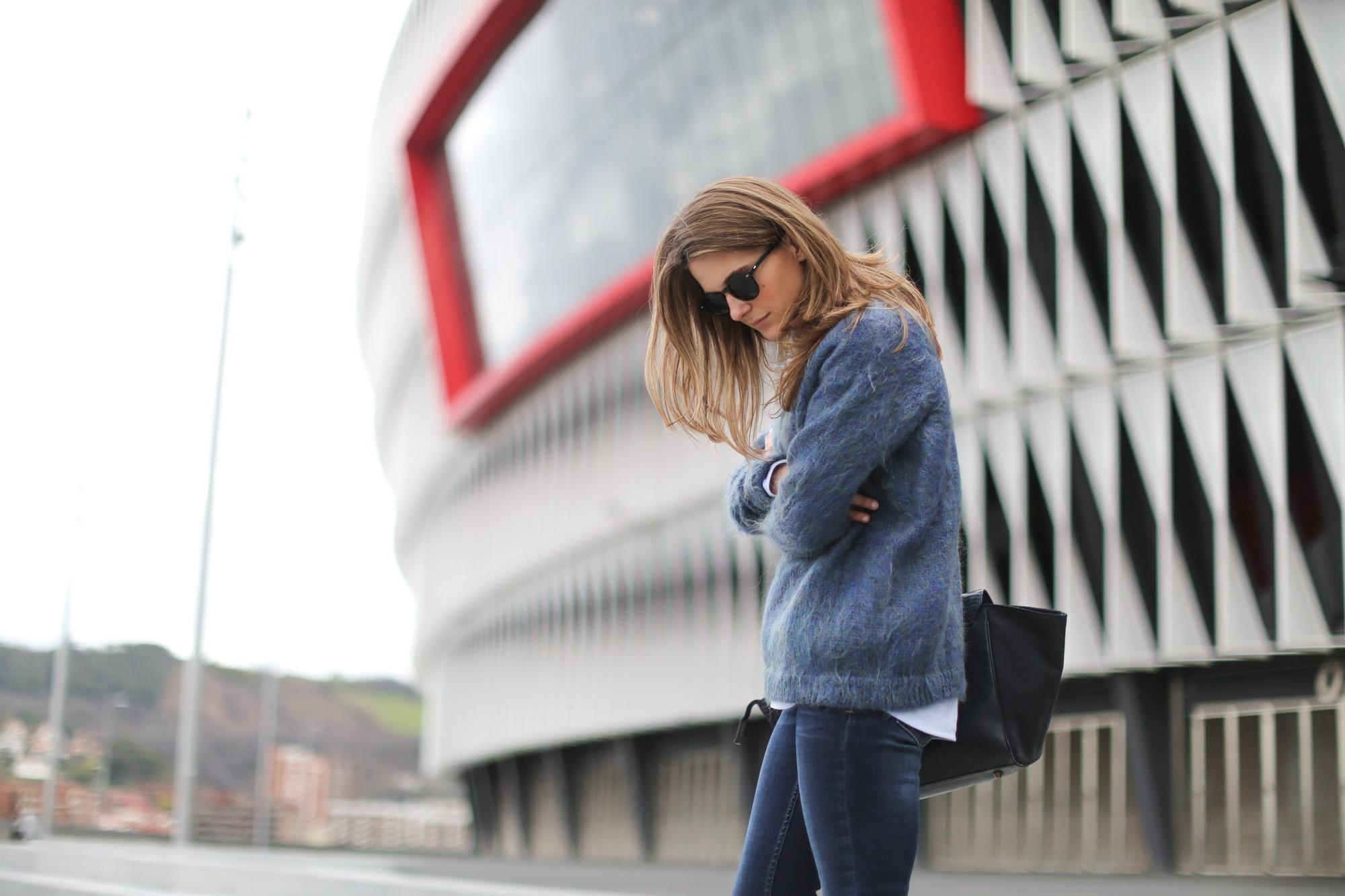 Clochet-streetstyle-bimbaylola-blue-knit-topshop-baxter-jeans-sushibag-8