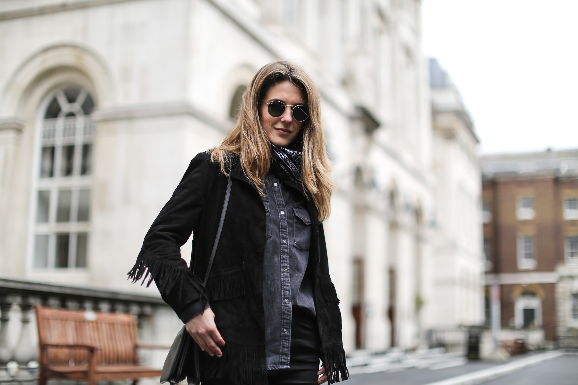 Clochet-streetstyle-lfw-london-fashion-week-maje-fringed-suede-jacket-cowboy-boots-2