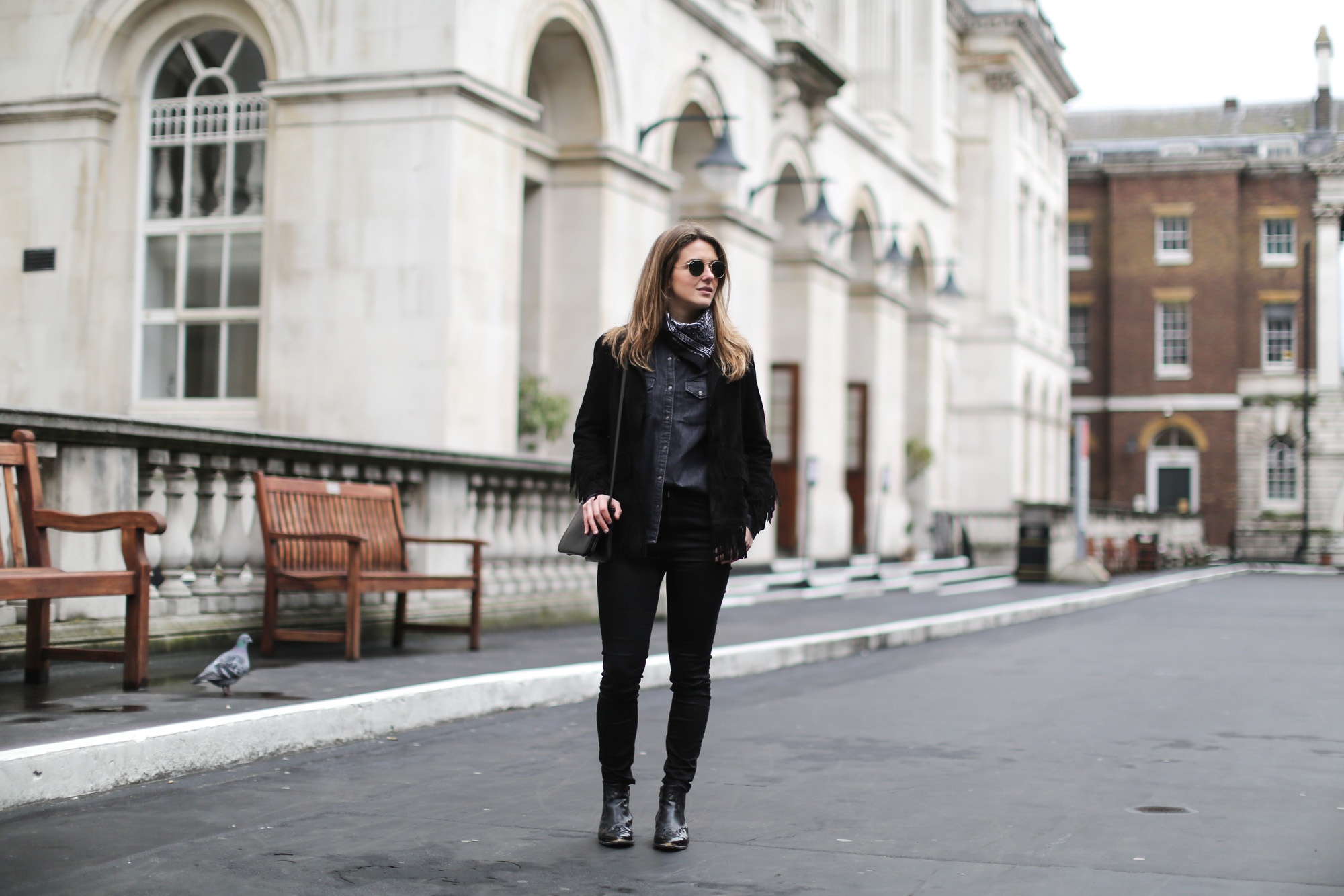 Clochet-streetstyle-lfw-london-fashion-week-maje-fringed-suede-jacket-cowboy-boots-3