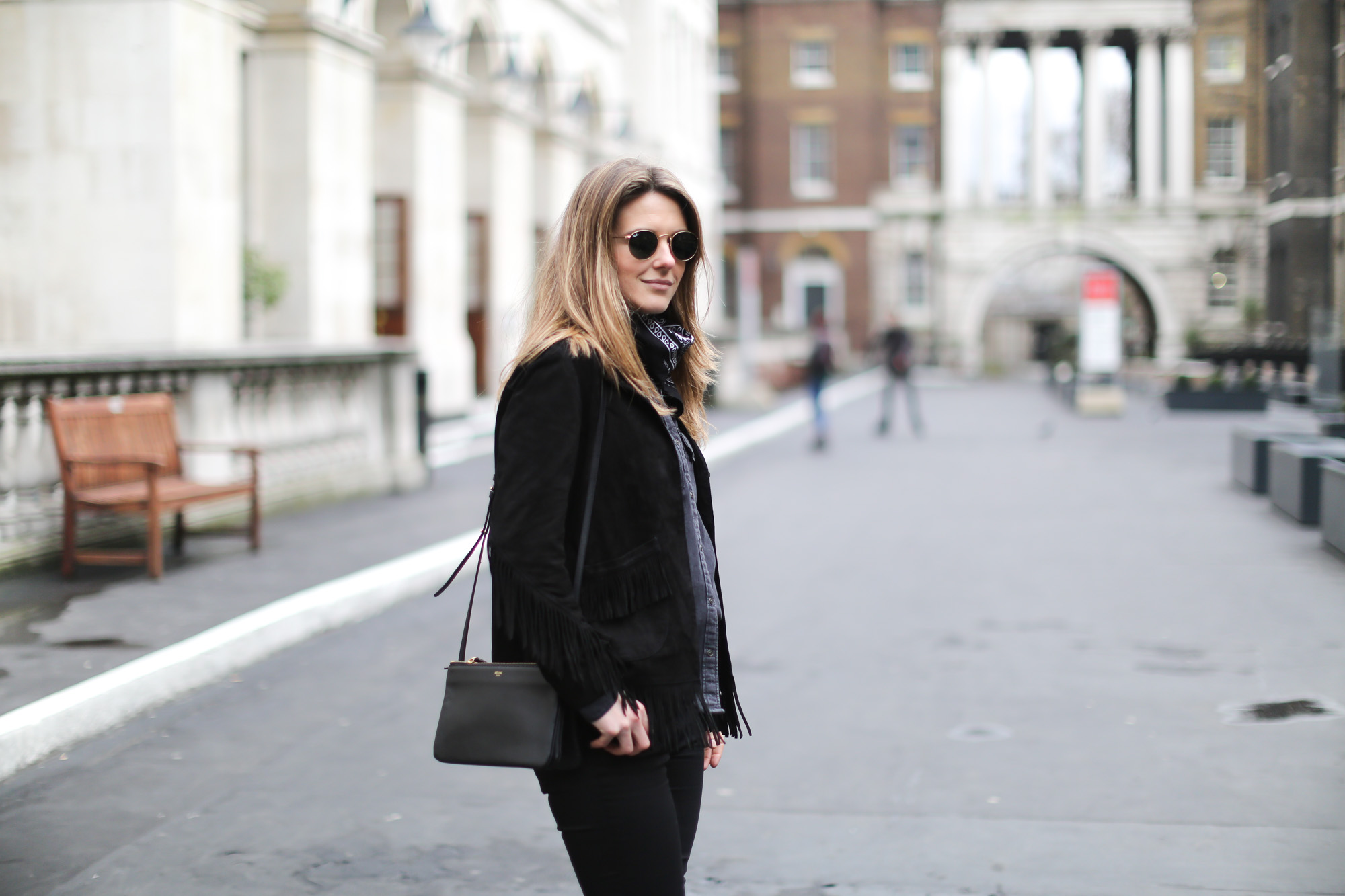Clochet-streetstyle-lfw-london-fashion-week-maje-fringed-suede-jacket-cowboy-boots-6