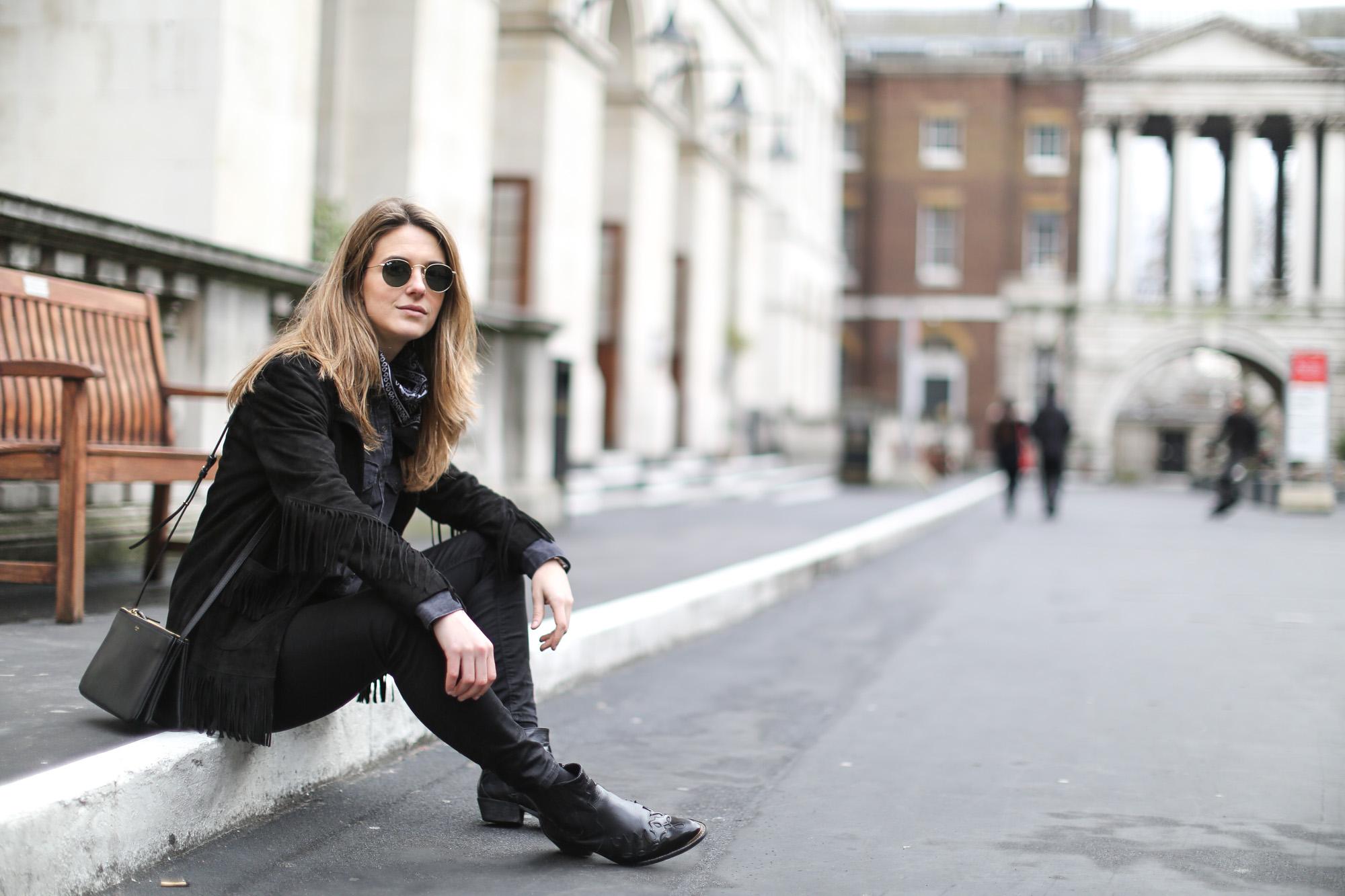 Clochet-streetstyle-lfw-london-fashion-week-maje-fringed-suede-jacket-cowboy-boots-8