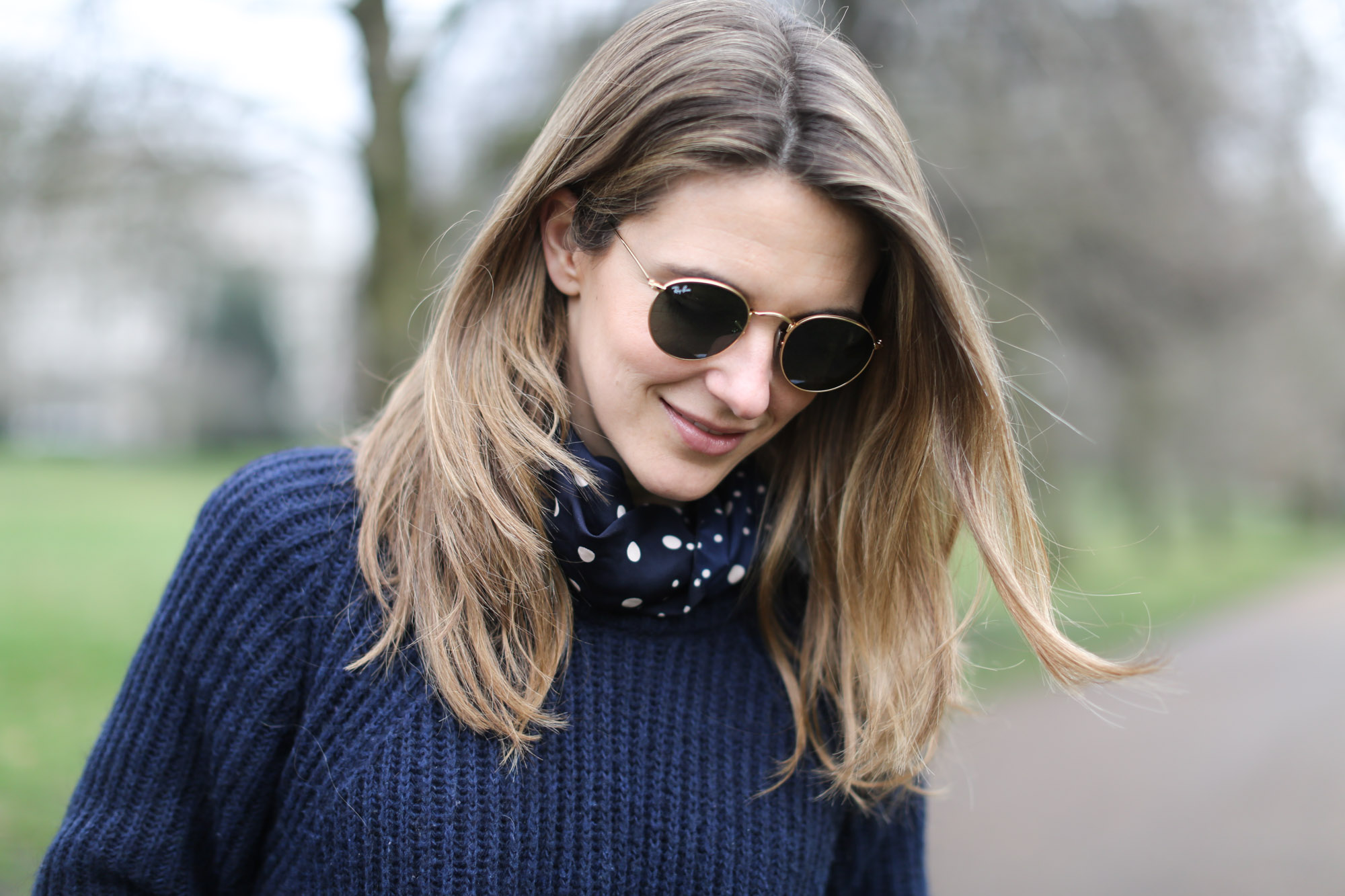 Clochet-streetstyle-london-hyde-park-cos-coat-navy-chunky-knit-8