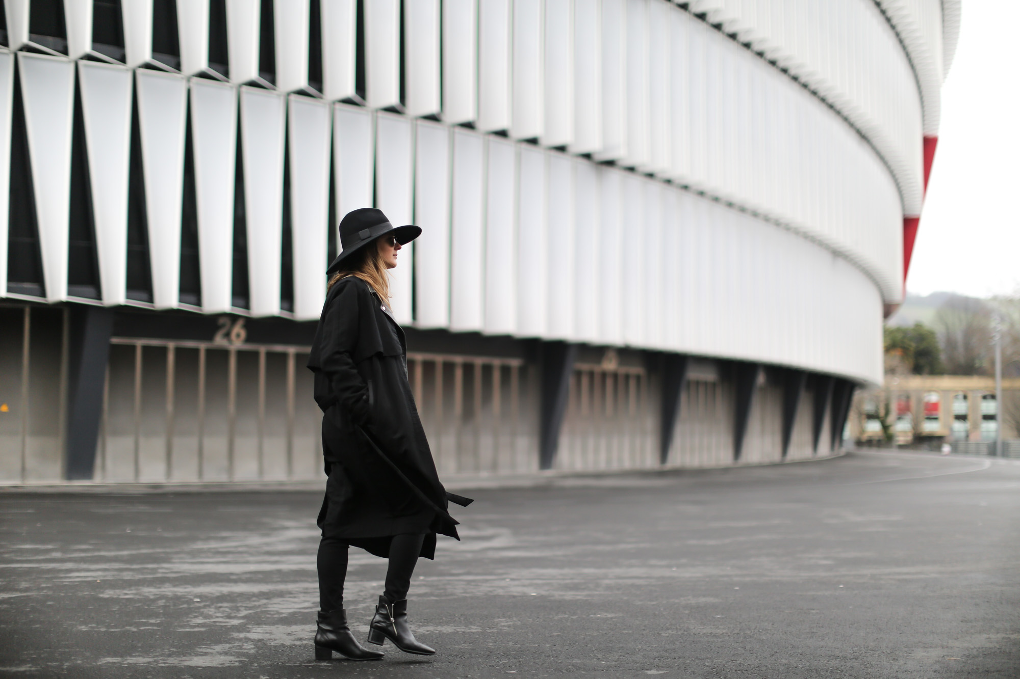Clochet-streetstyle-topshop-shirt-fedora-hat-mango-leather-biker-jacket-5