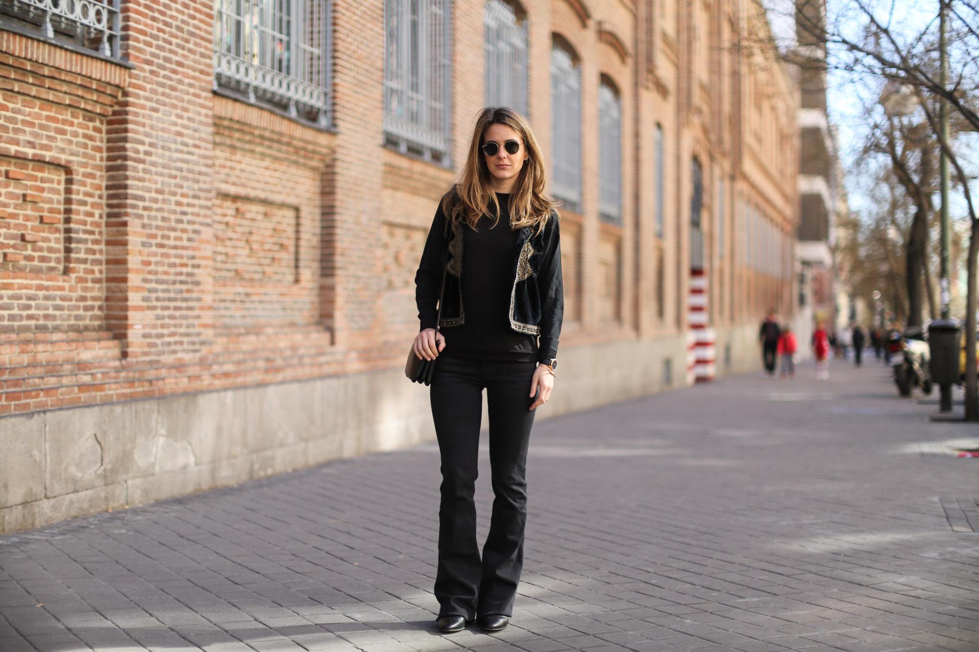 Clochet-streetstyle-zara-black-flared-jeans-boho-vest-larssonandjennins-saxon-17