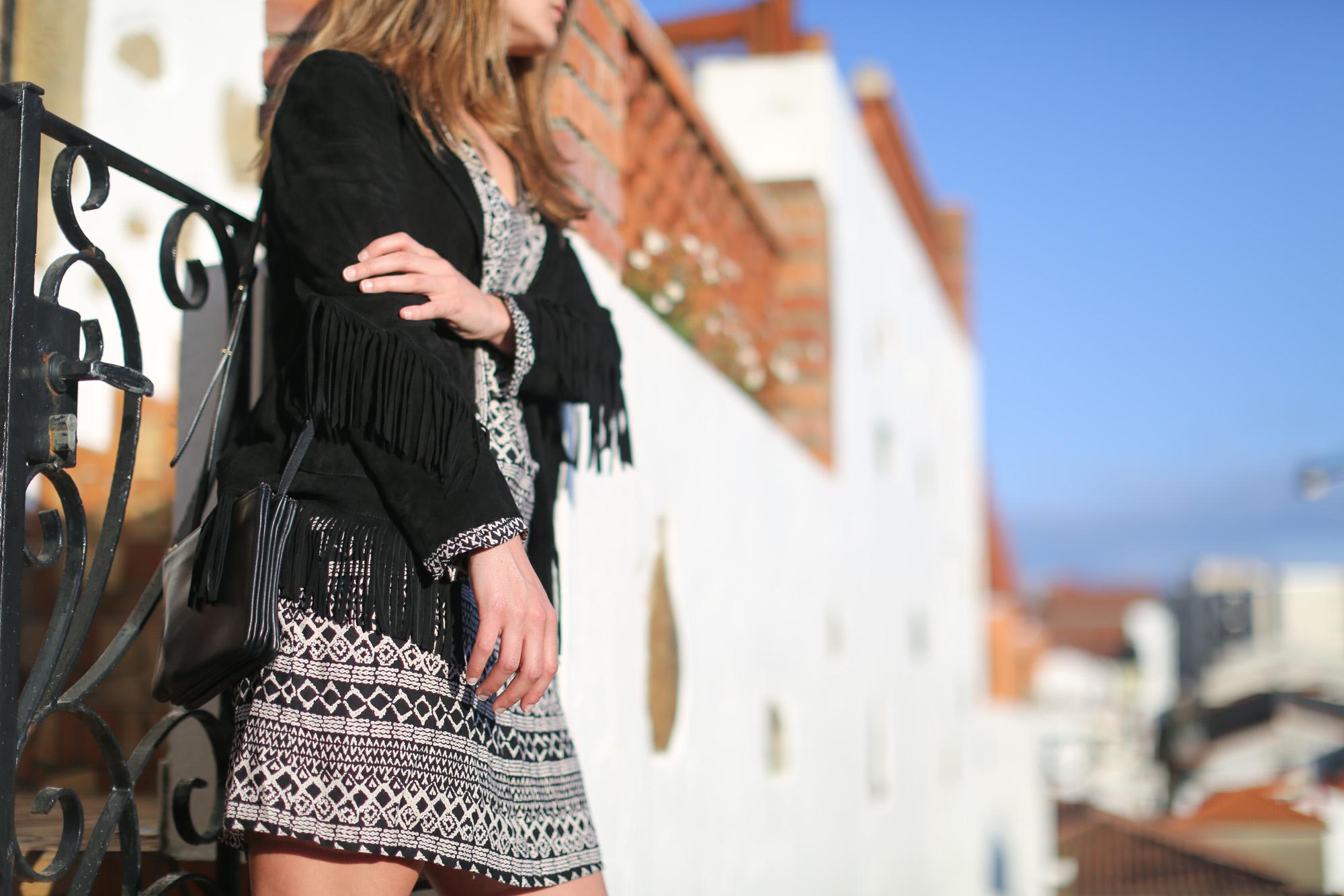 Clochet-streetstyle-mango-bandana-print-ethnic-dress-maje-fringed-suede-jacket-8