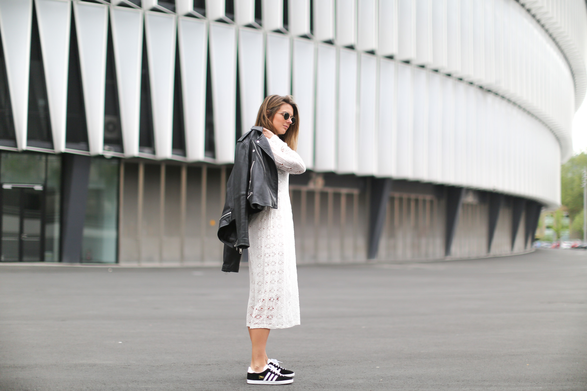 Clochet-streetstyle-mango-premium-leather-biker-jaket-zara-white-embroided-midi-dress-2