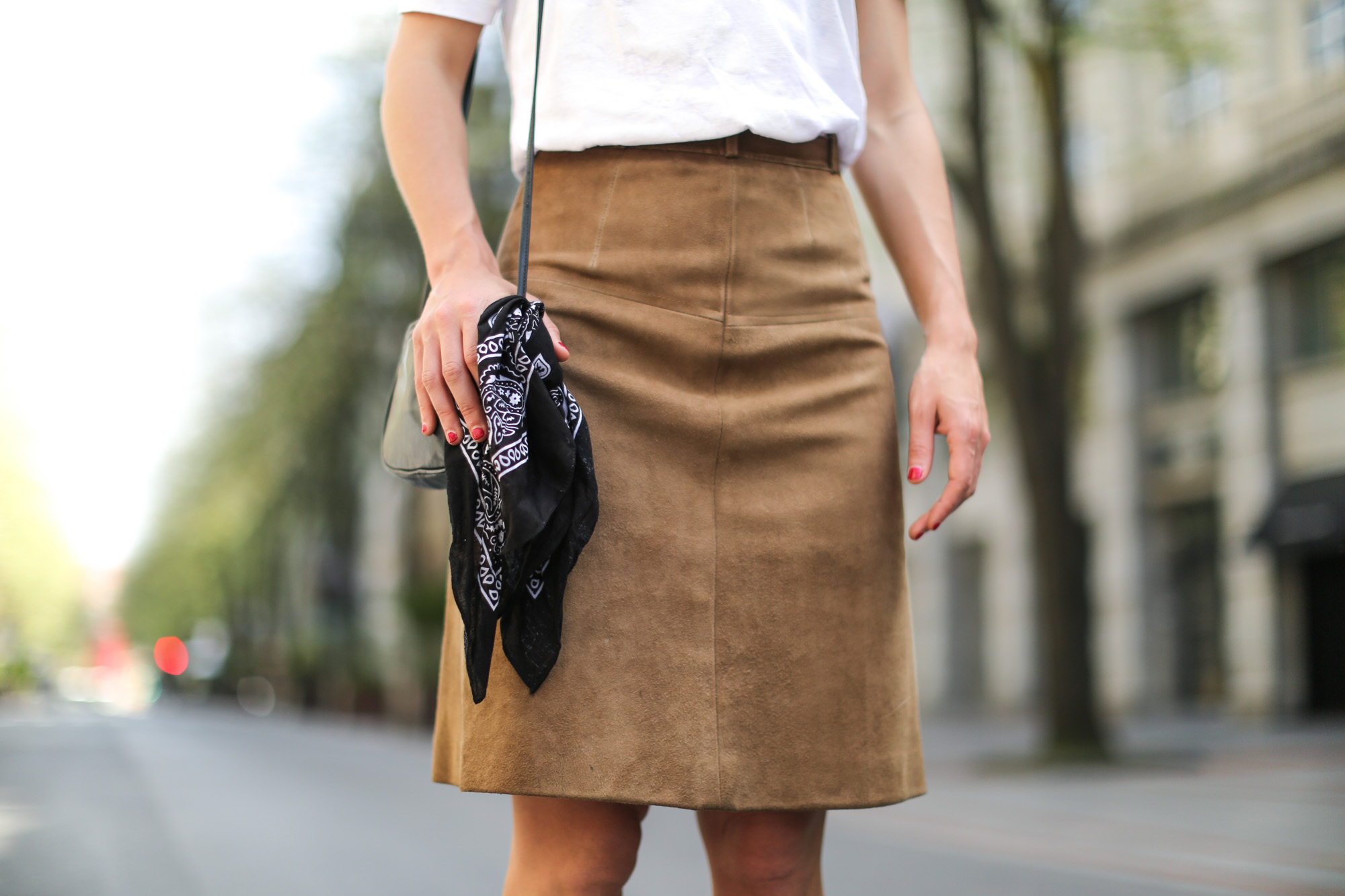 Clochet-streetstyle-vintage-suede-A-line-skirt-6