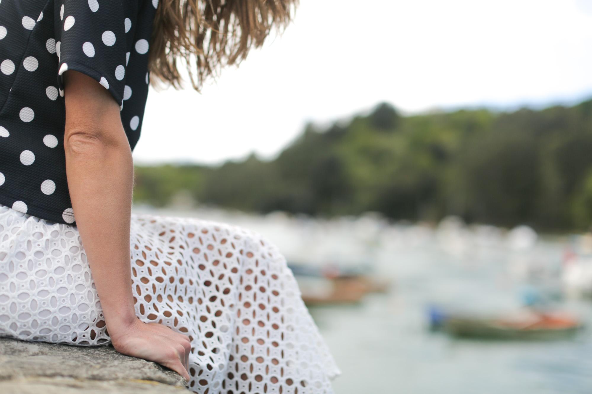 Clochet-streetstyle-zara-white-midi-crochet-dress-superga-leztinstreet-4