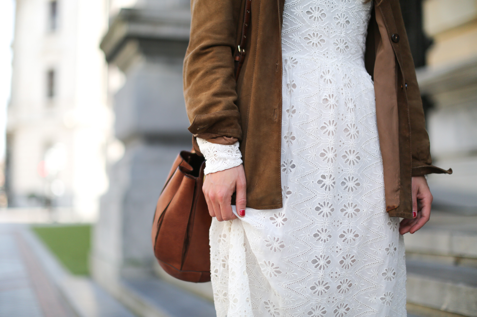 Clochet-streetstyle-zara-white-midi-embroidered-dress-with-full-skirt-suede-vintage-jacket-4